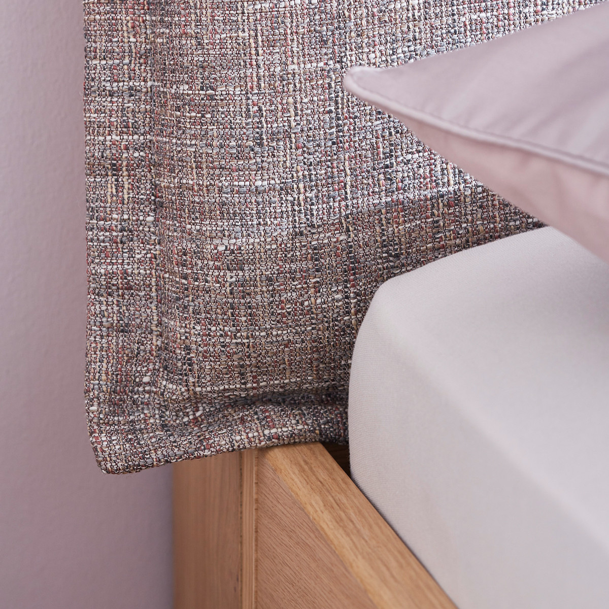 1528730178-schlafzimmer-comfort-doppelbett-janne_0.jpg