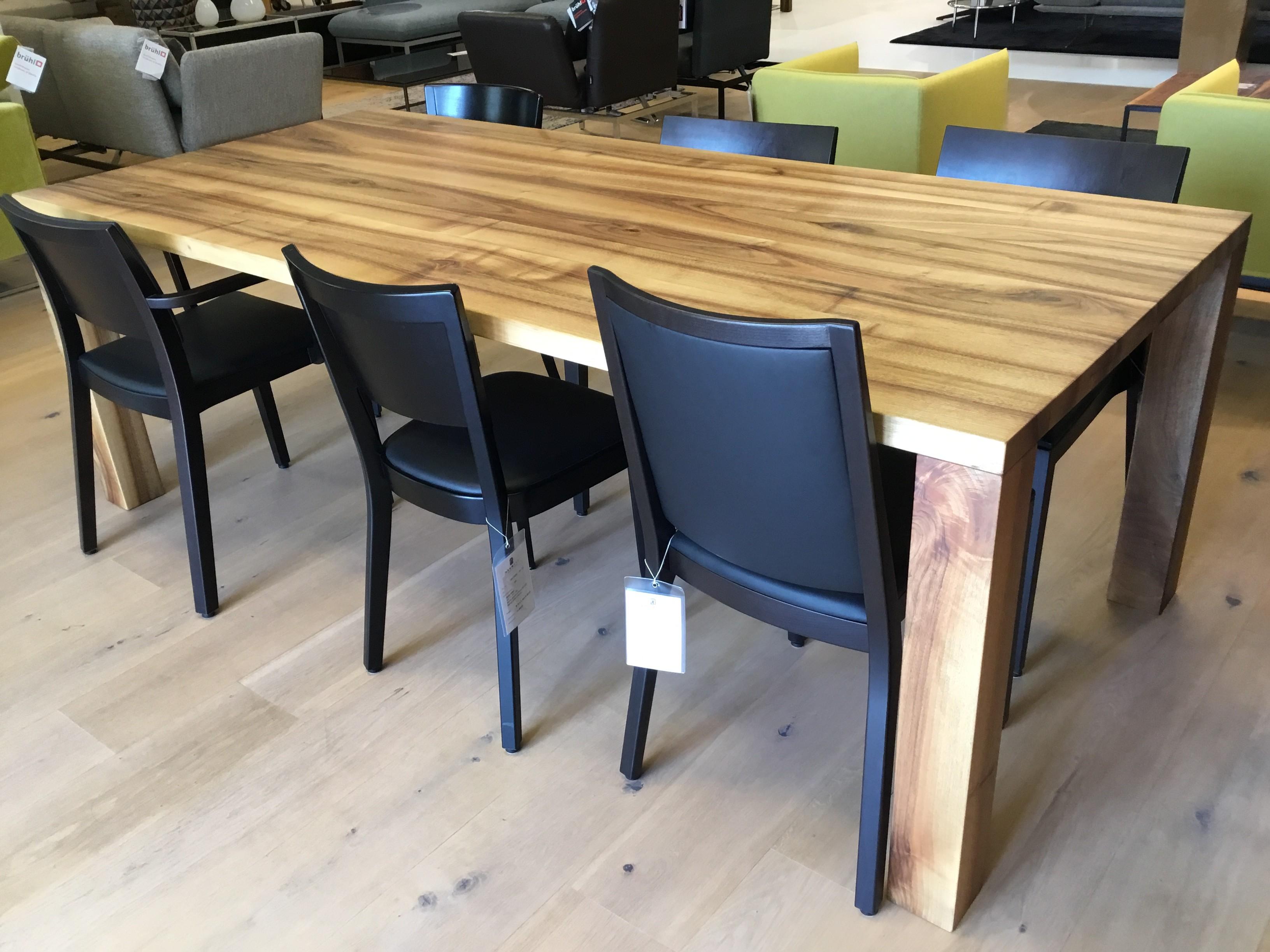 Tisch Classic, Schweizer Nussbaum, Vollmassiv geölt 10