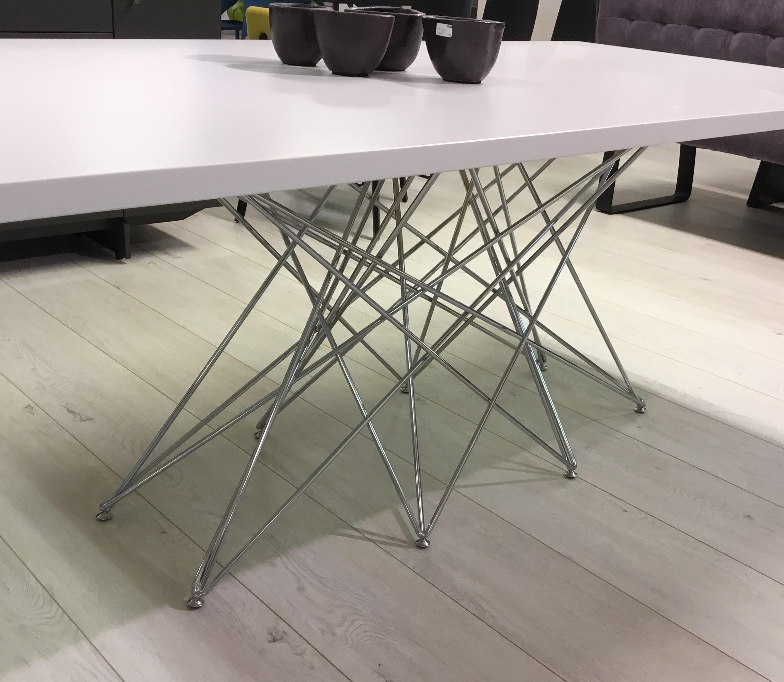 Tisch in Lack/weiss / Bonaldo 03