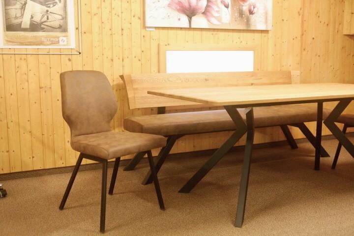Tisch mit 2 Stühle und Sitzbank Schösswender Modell 300/921 01