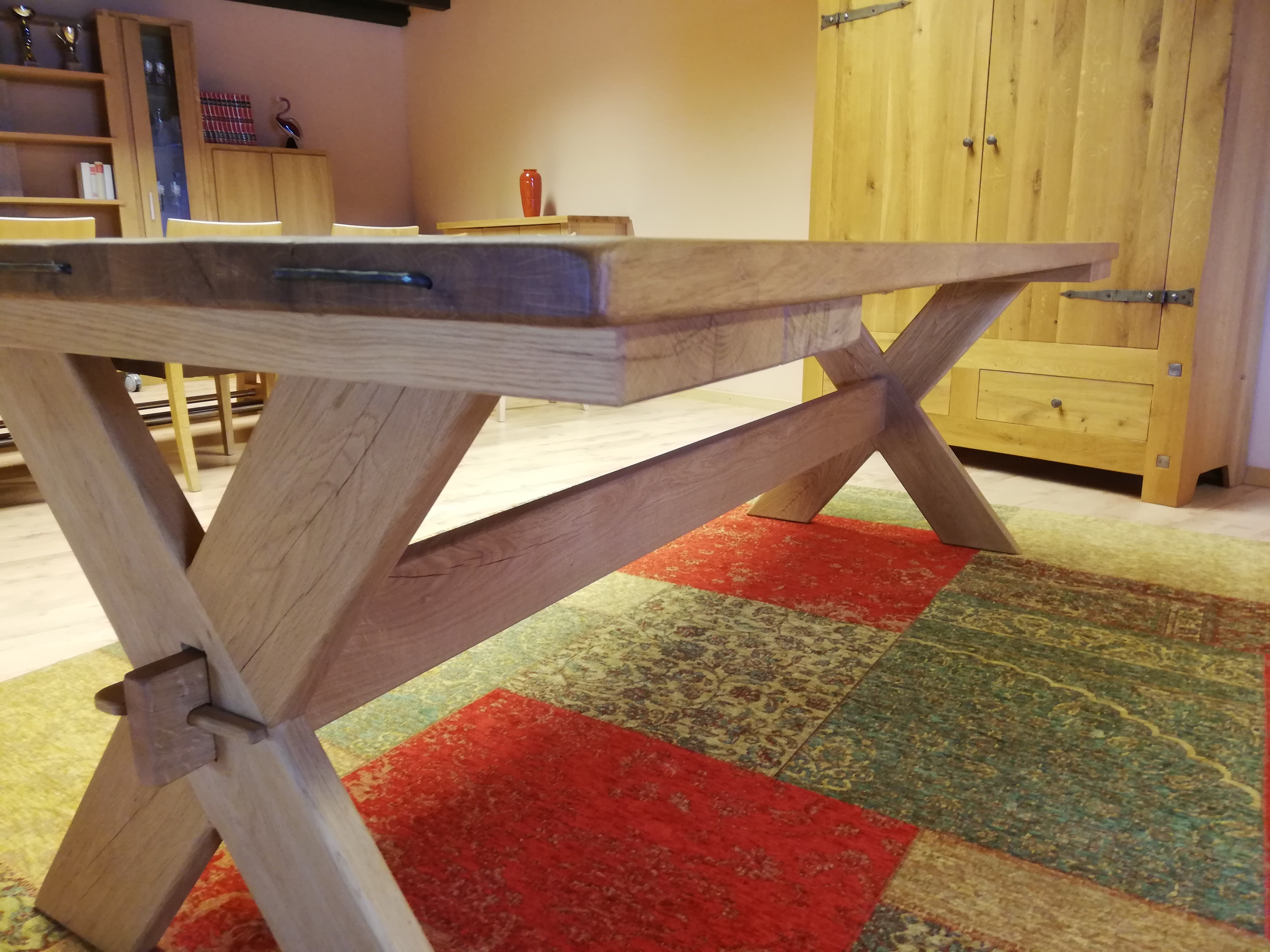 Table en chêne sauvage massif 04