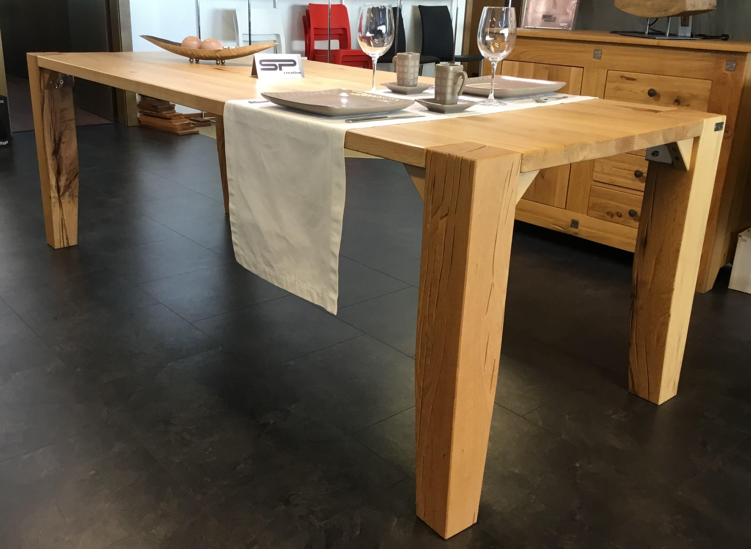 Tisch Largo Sumpfeiche geschroppt 02