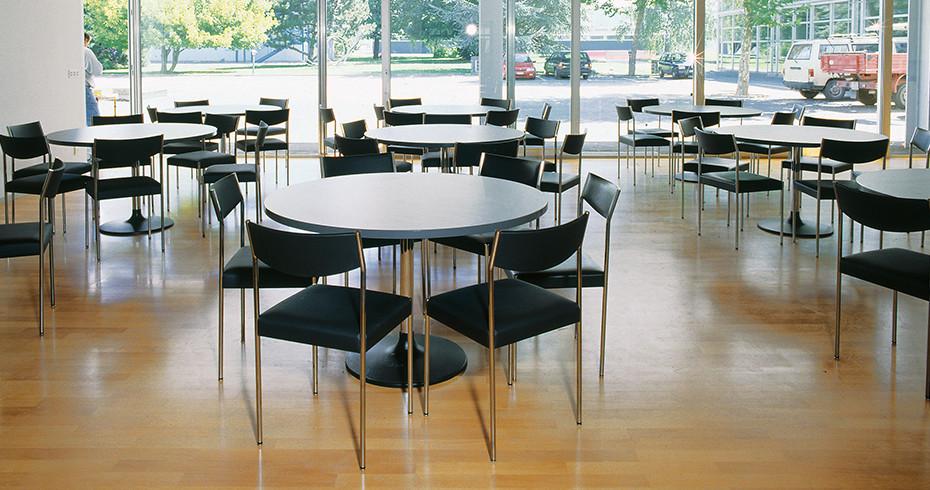 Tisch Pinta Dietiker 04