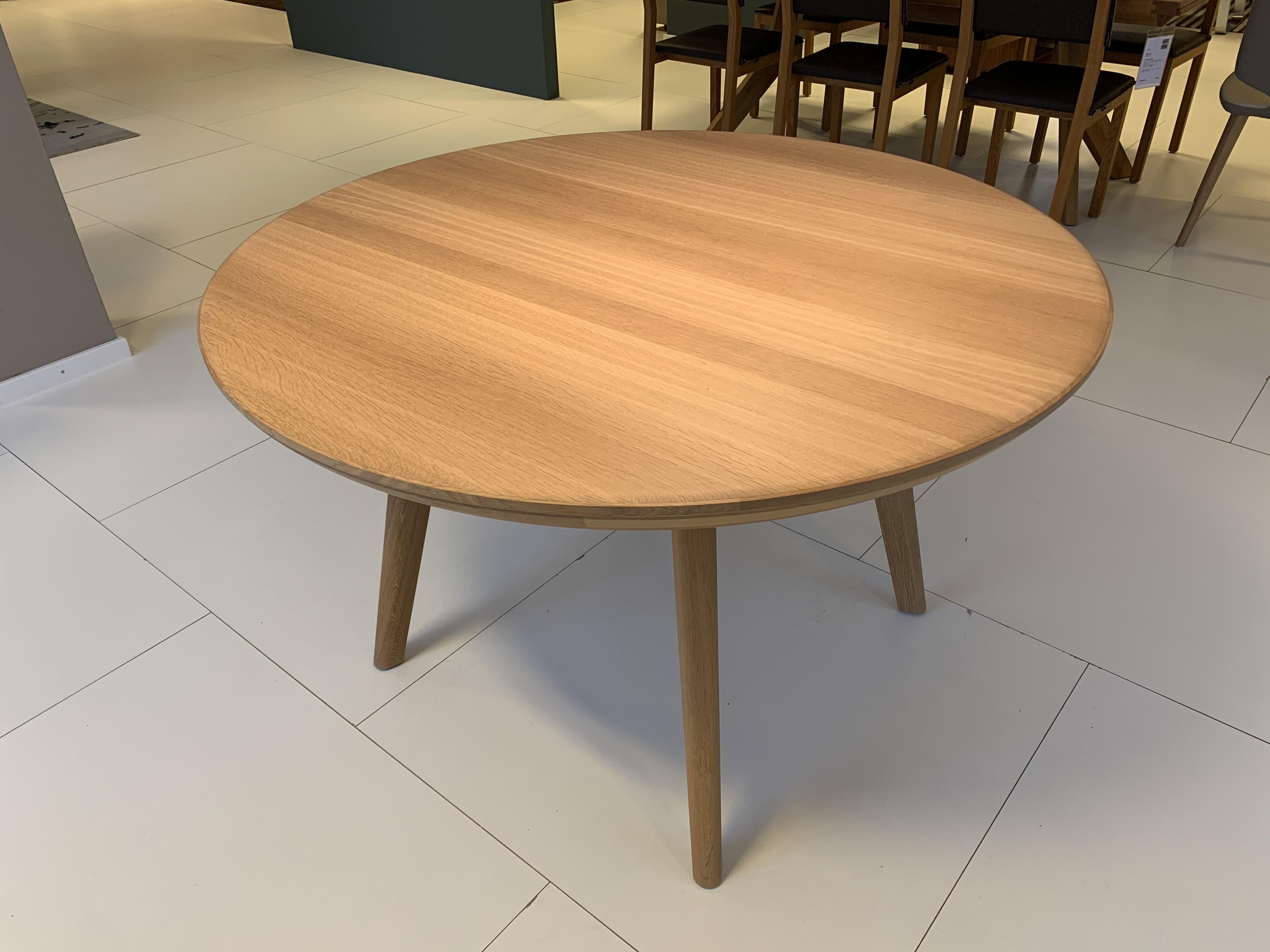 Esskombintation Tisch und Stühle (4 STK) Team7 02