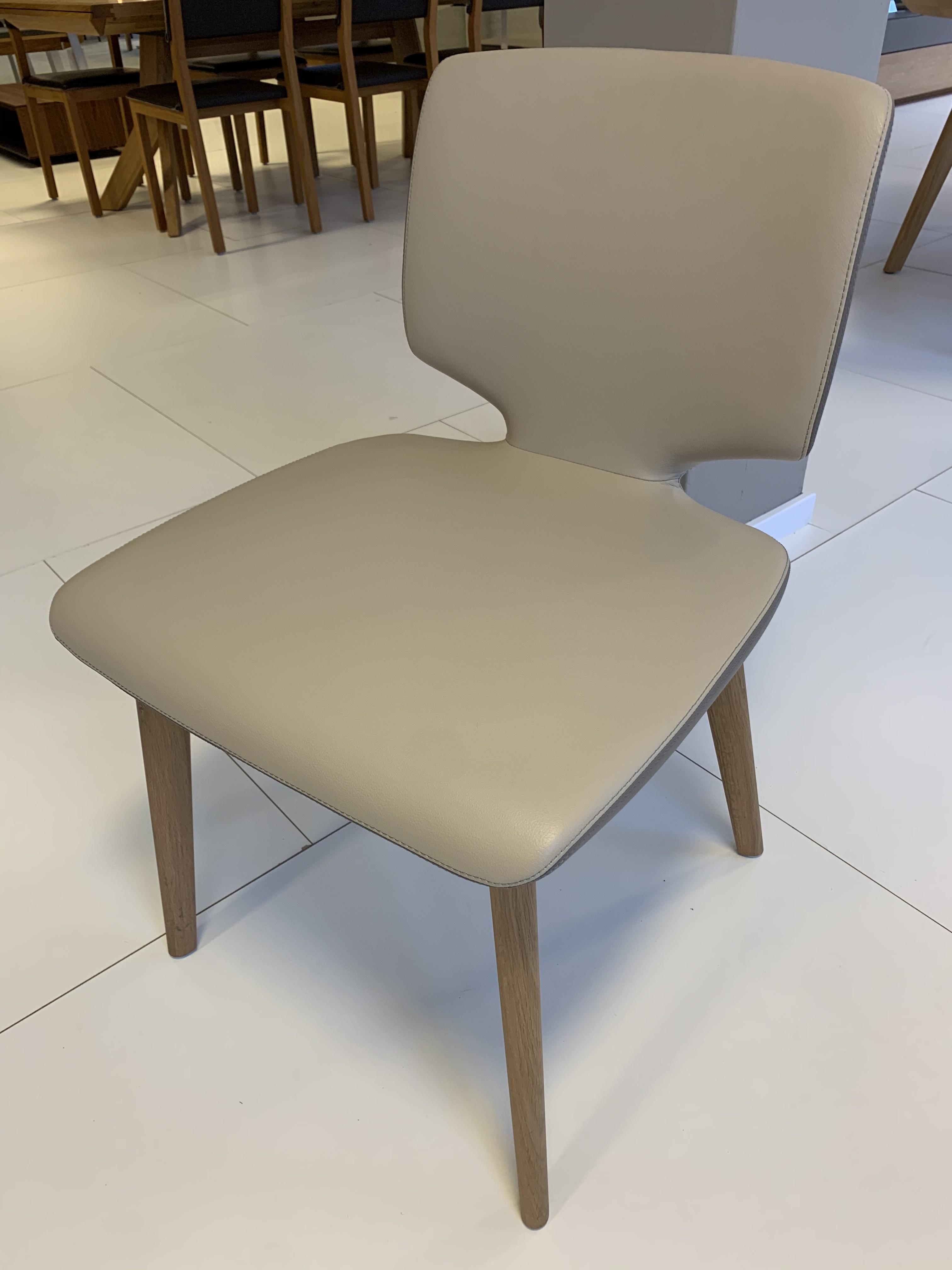 Esskombintation Tisch und Stühle (4 STK) Team7 05