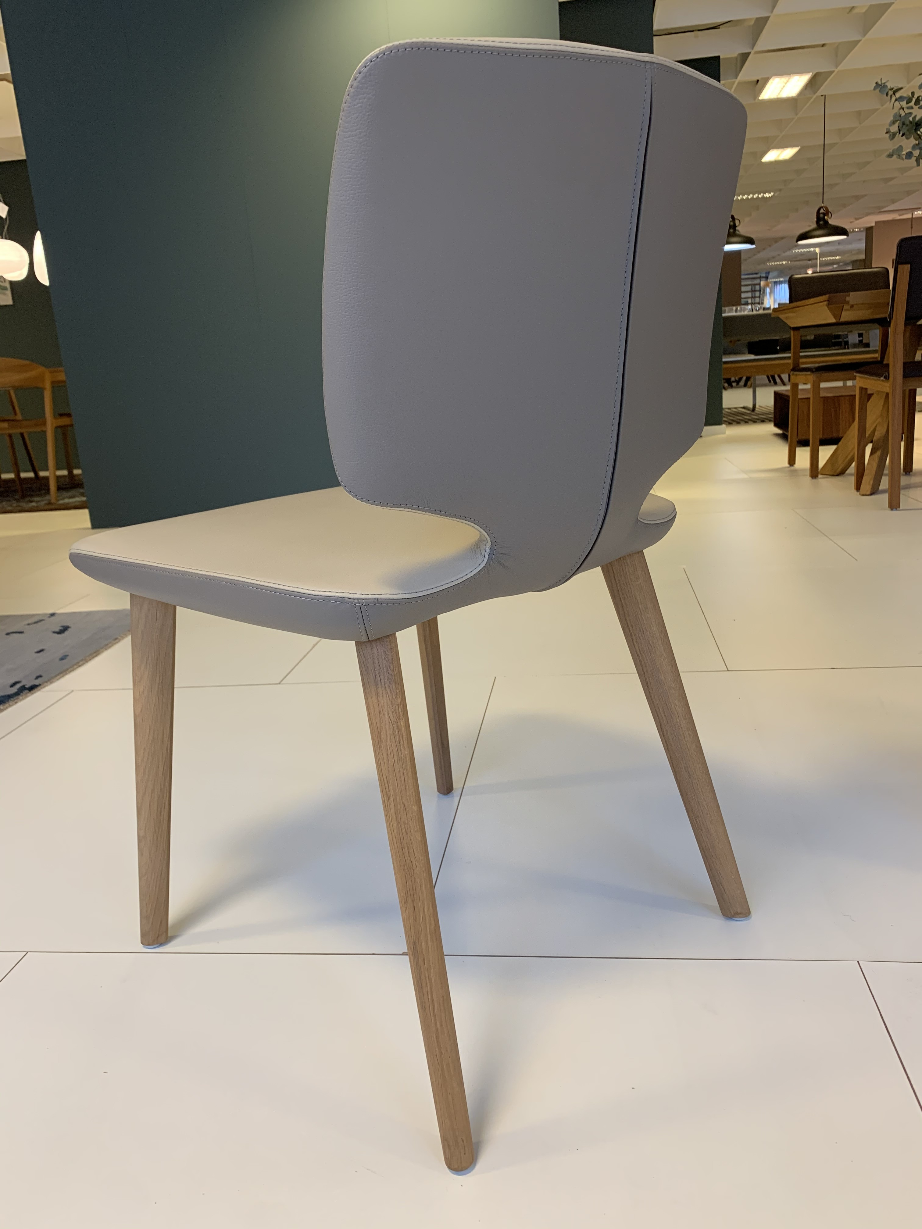 Esskombintation Tisch und Stühle (4 STK) Team7 08