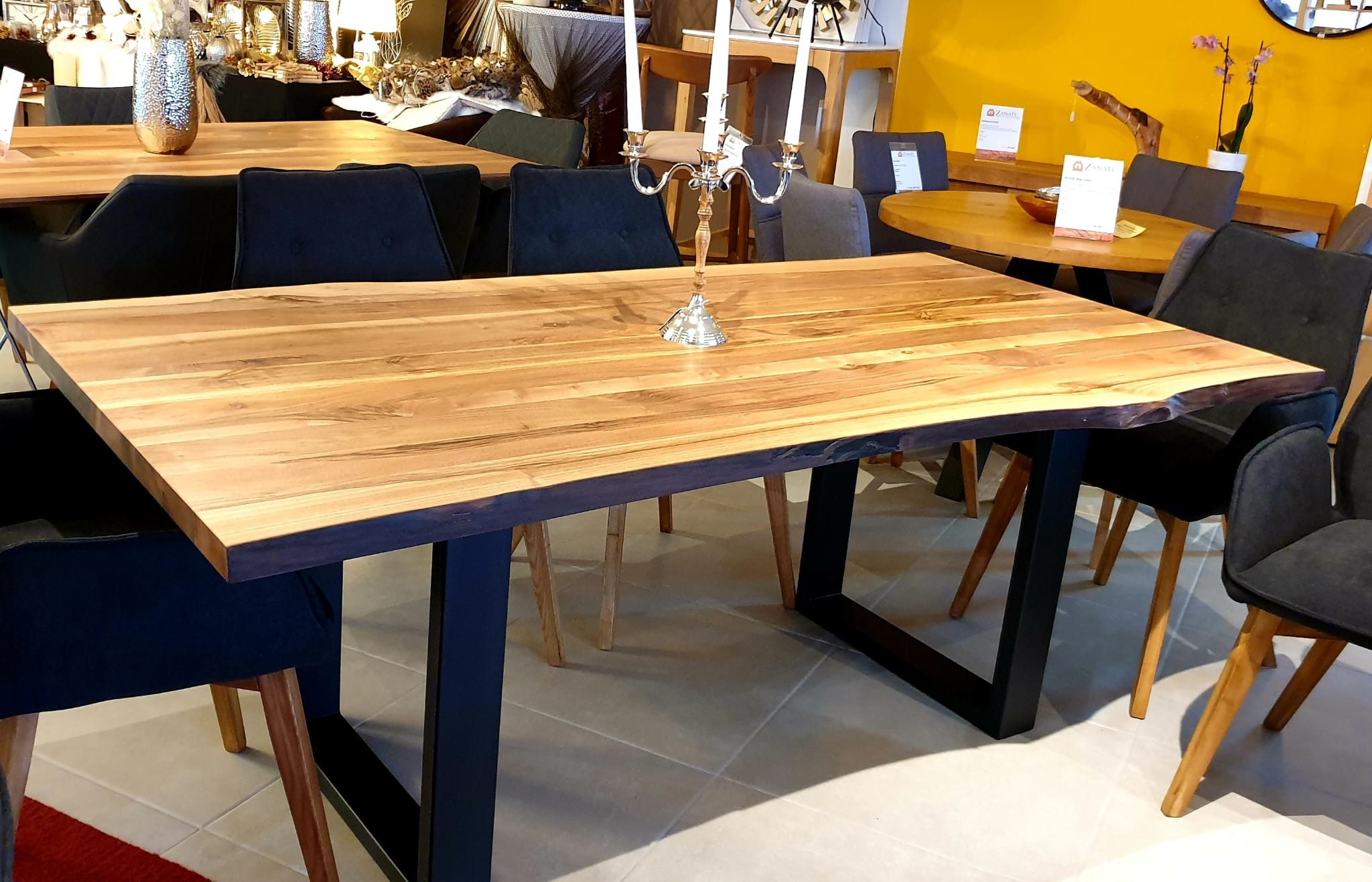 Esstisch Walnut Table 06