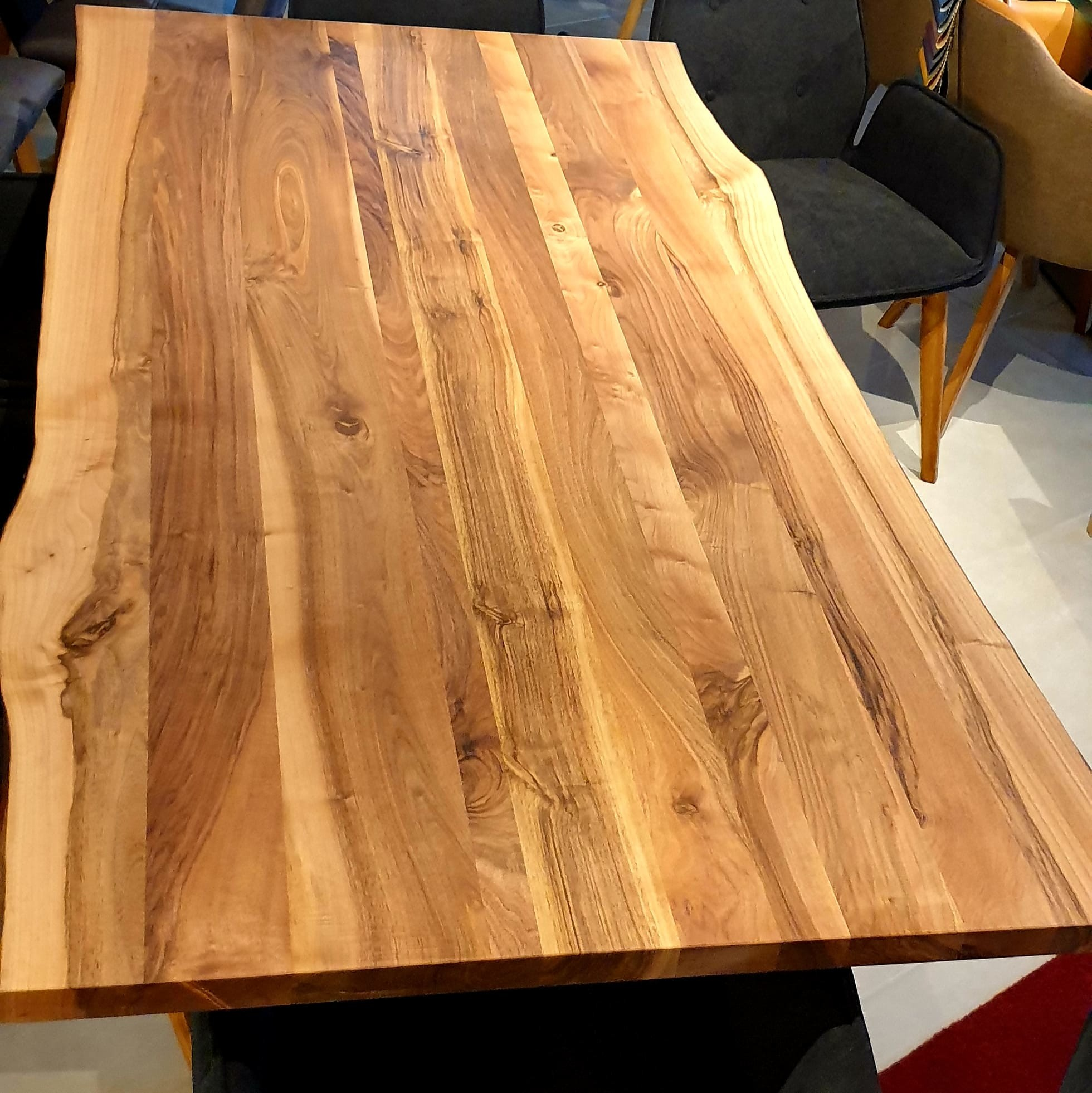 Esstisch Walnut Table 03