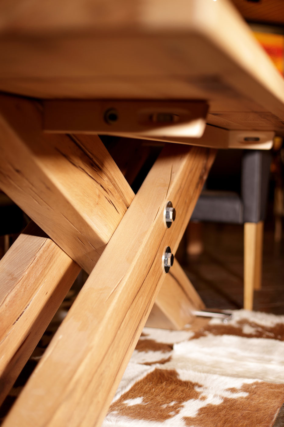 Sprenger Kruezfuss Tisch 03