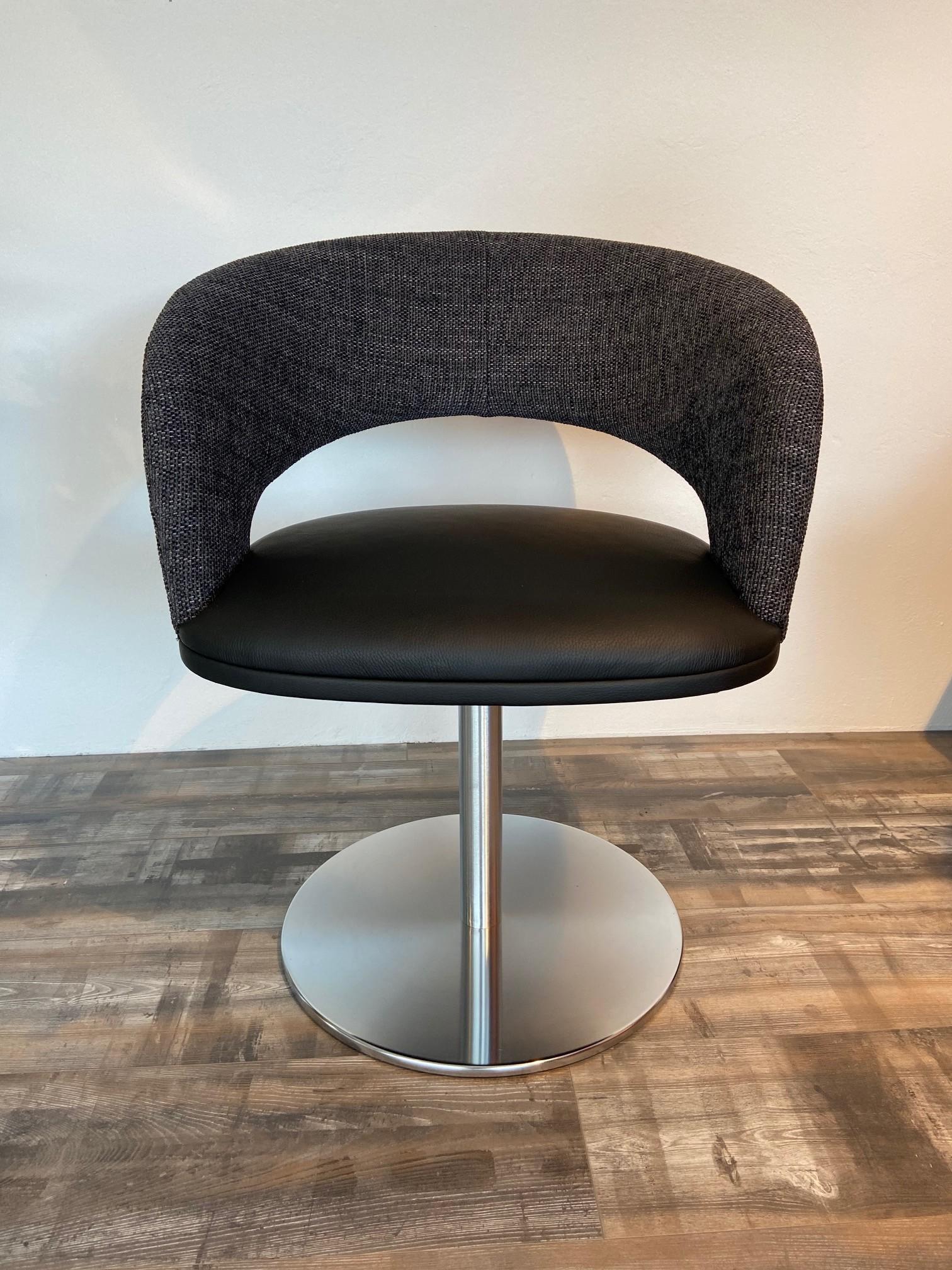 4 Stühle von K+W 01