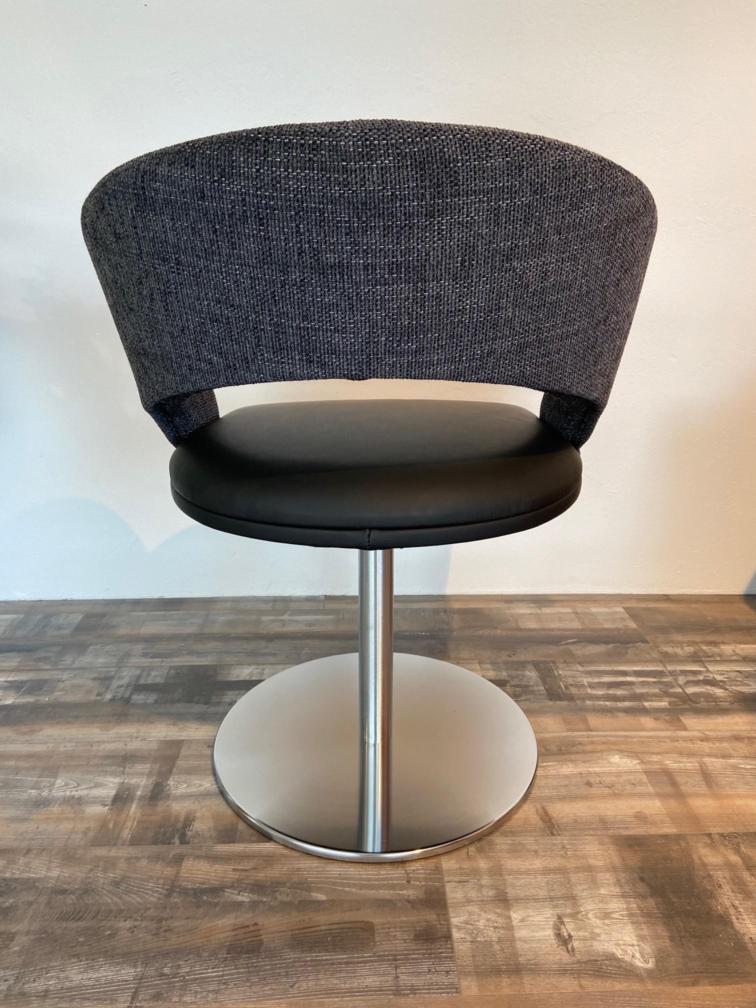 4 Stühle von K+W 03