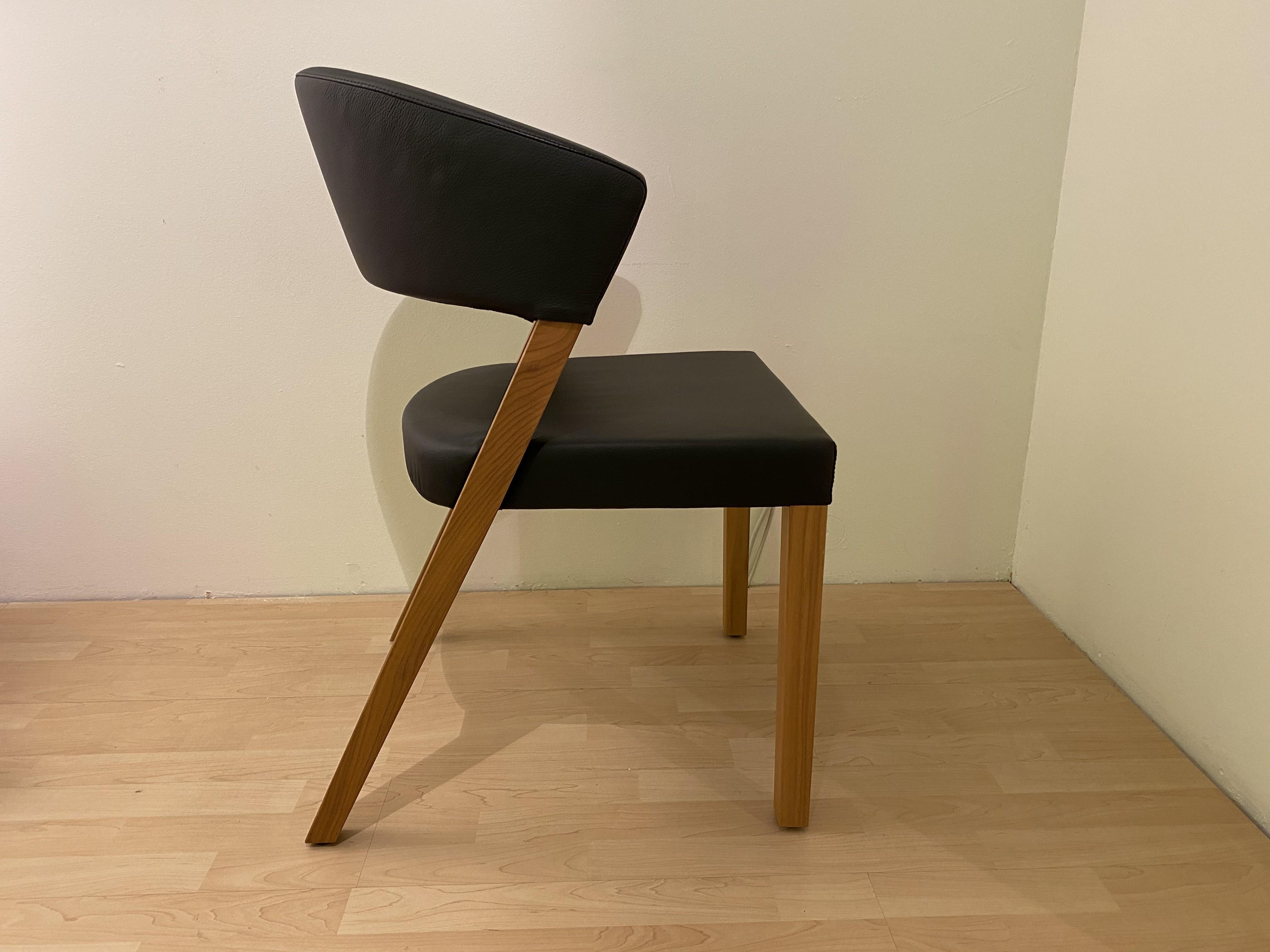 Stuhl Xeno von Girsberger 02