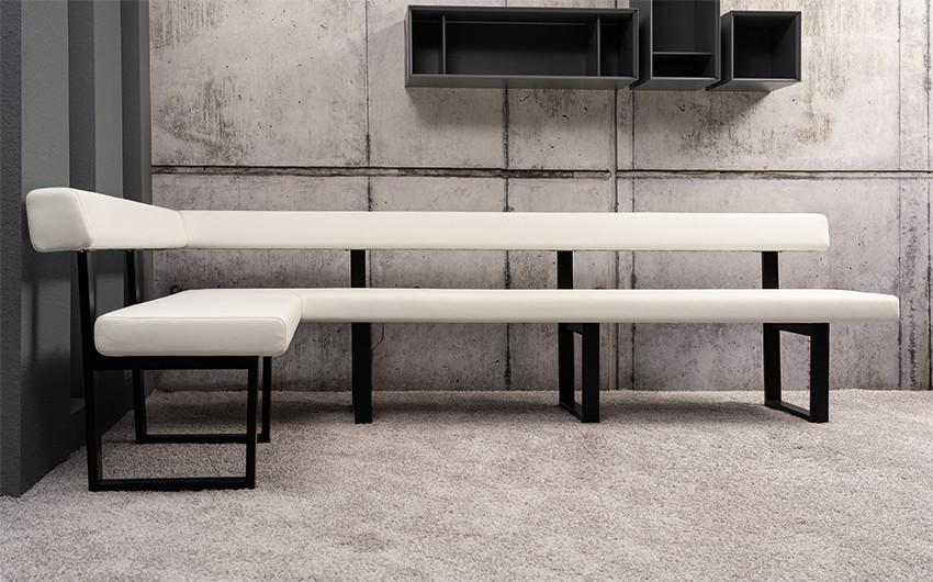 Tischgruppe mit Eckbank und 3 Stühlen Lüönd 01