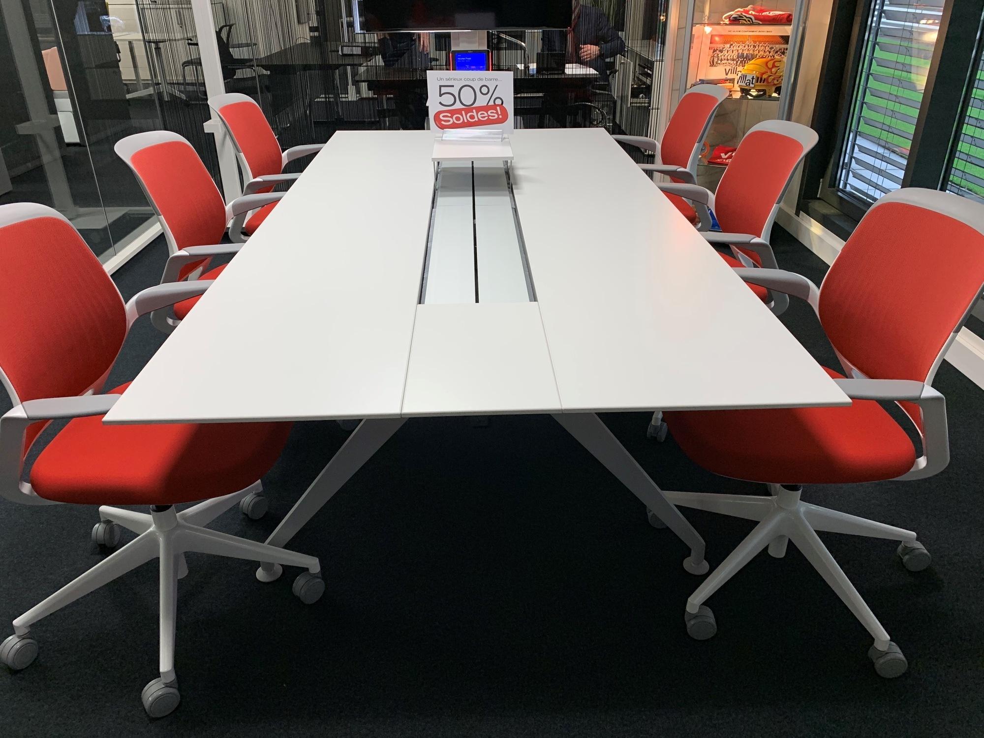 1547111825-buero-table-de-conference-48-four-point-eight-de-steelcase_1.jpg
