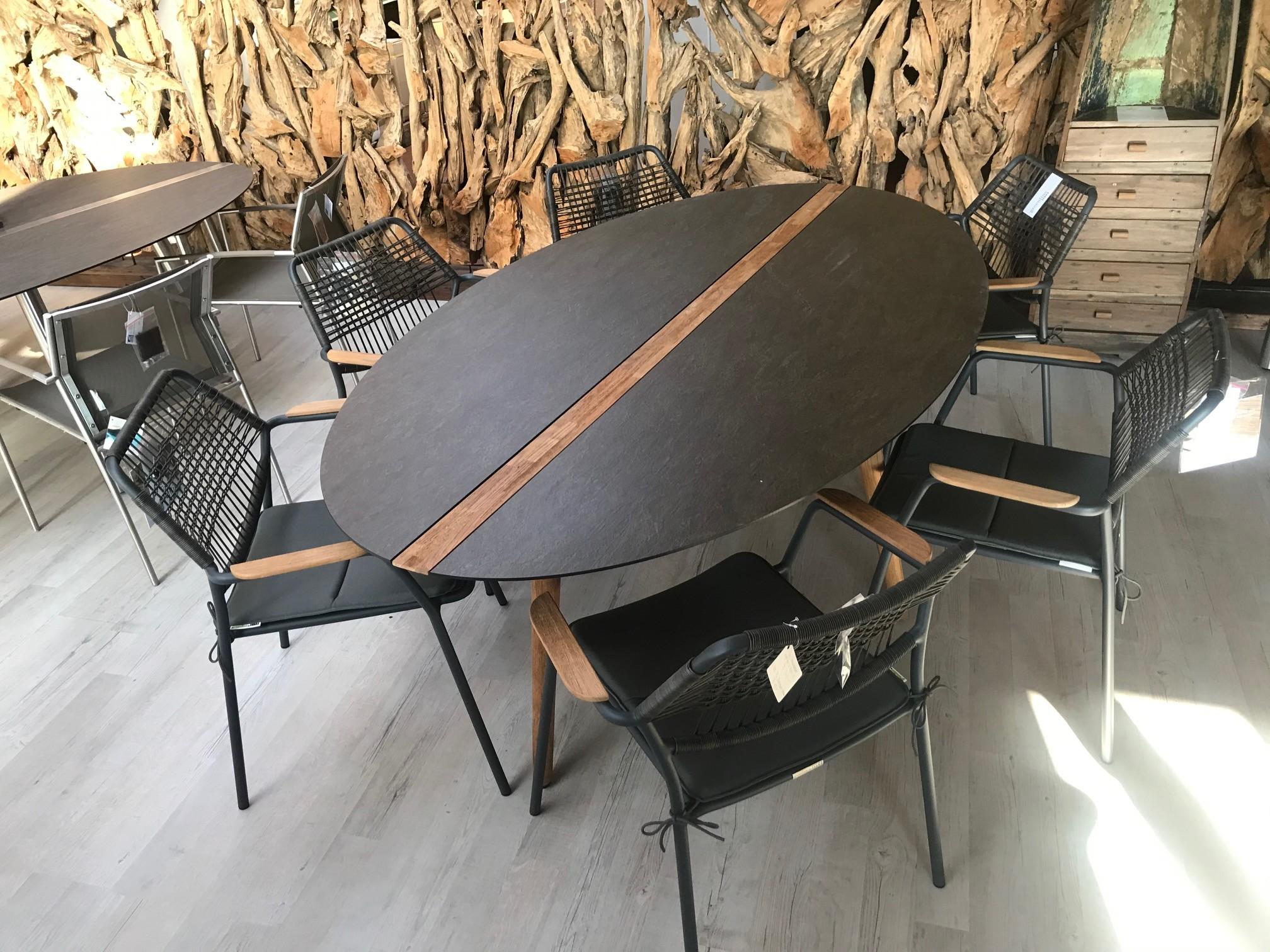 Flix-Tischgruppe HPL /Teak inkl. 6 Sessel, stapelbar, inkl. Kissen 01