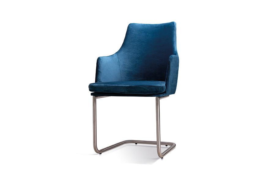 6 Stühle Freischwinger Nela Lüönd 01