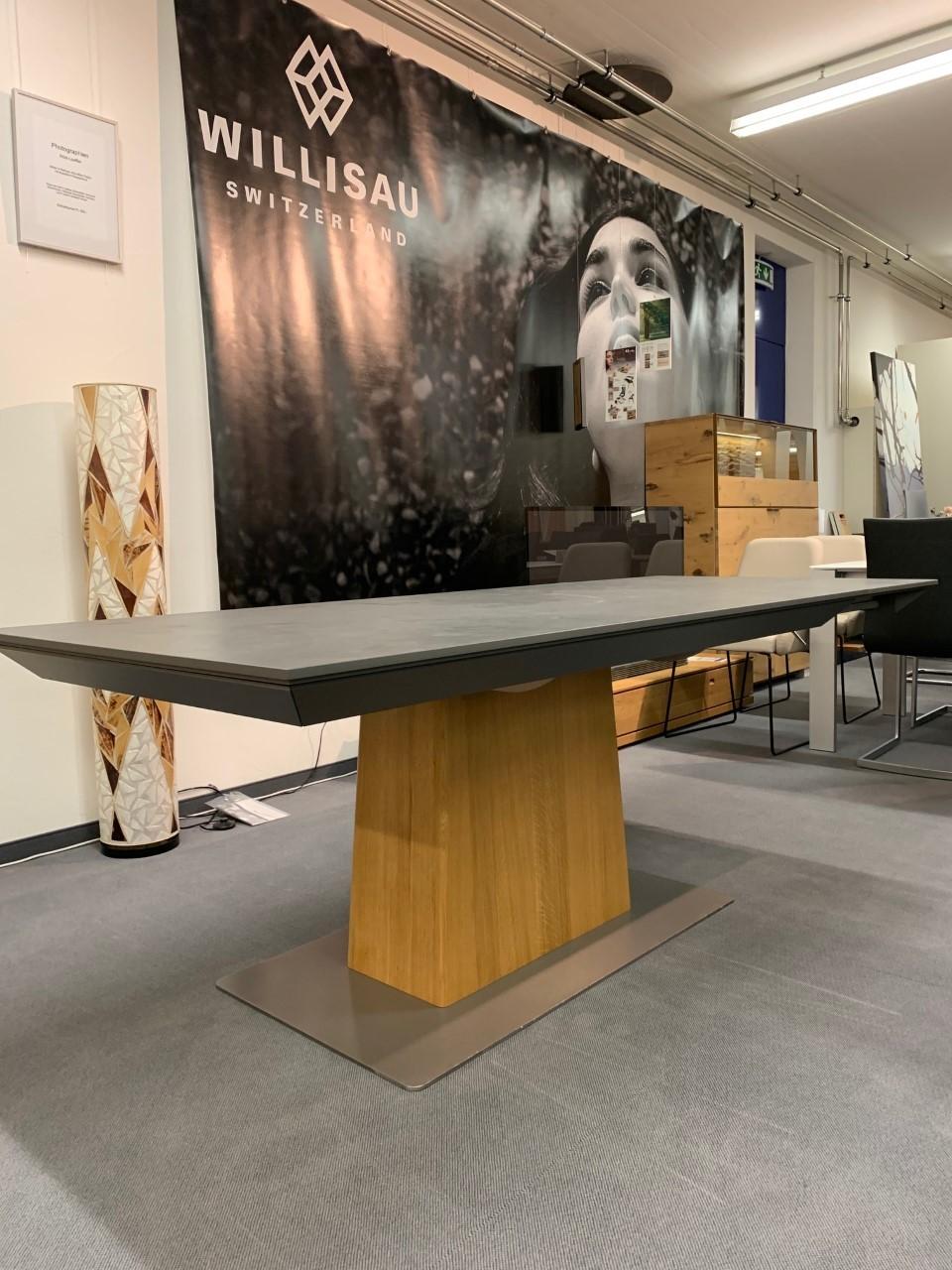 Tisch Modell Diegaro von Willisau 180 x 95 cm mit Verlängerung, Blatt in Stucco 09