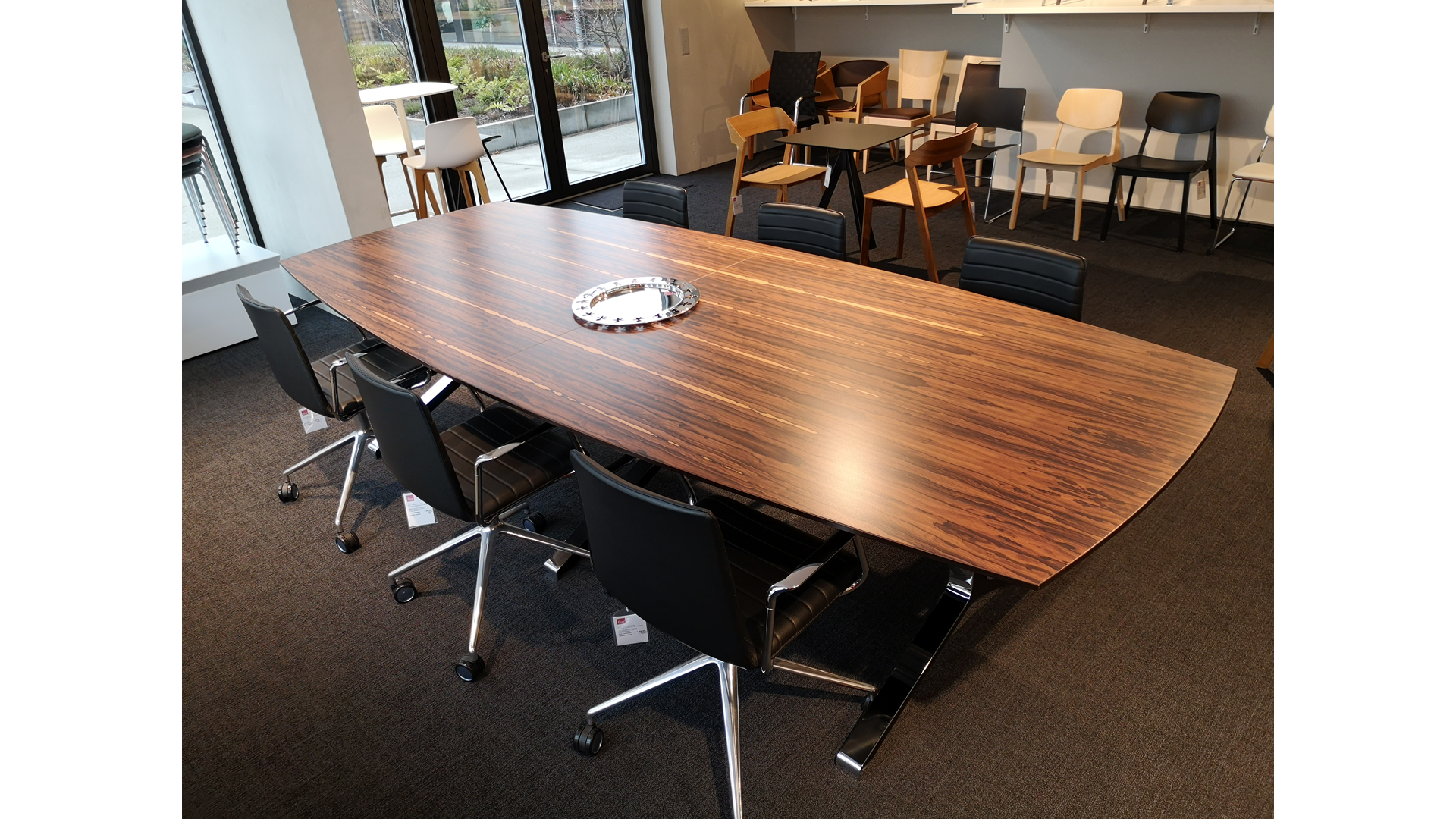 Konferenztisch Inline / Table de conférence Inline 01
