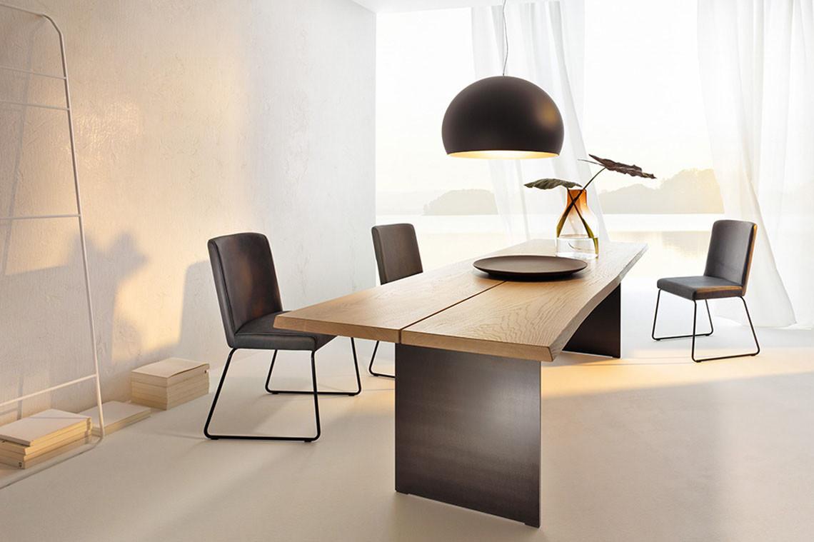 Anrei Tisch Stamm 01