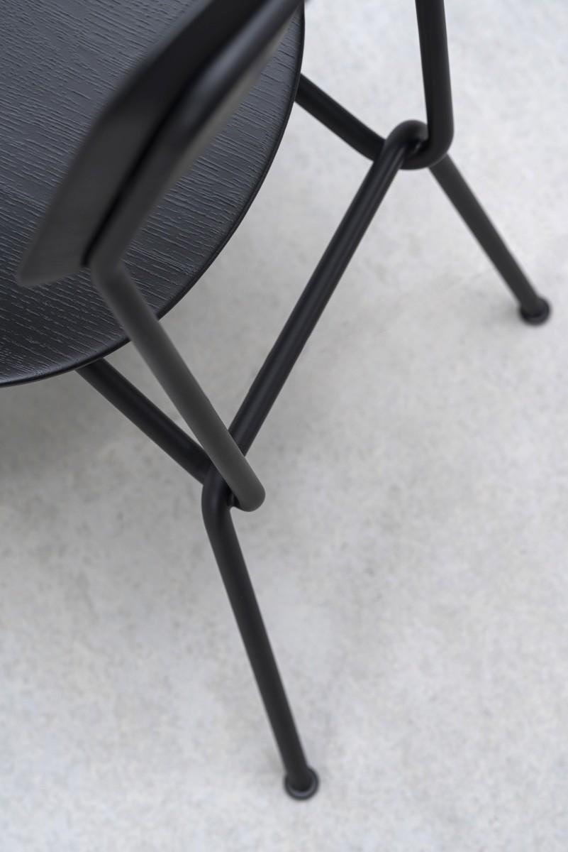 Stuhl strain prostoria 04