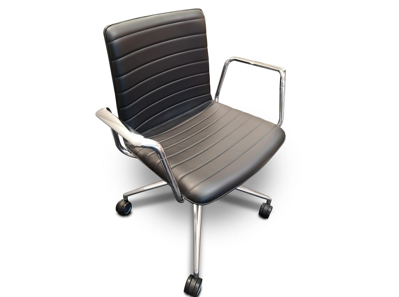 Set 6 Konferenzstühle / Set 6 chaises de conférence 02