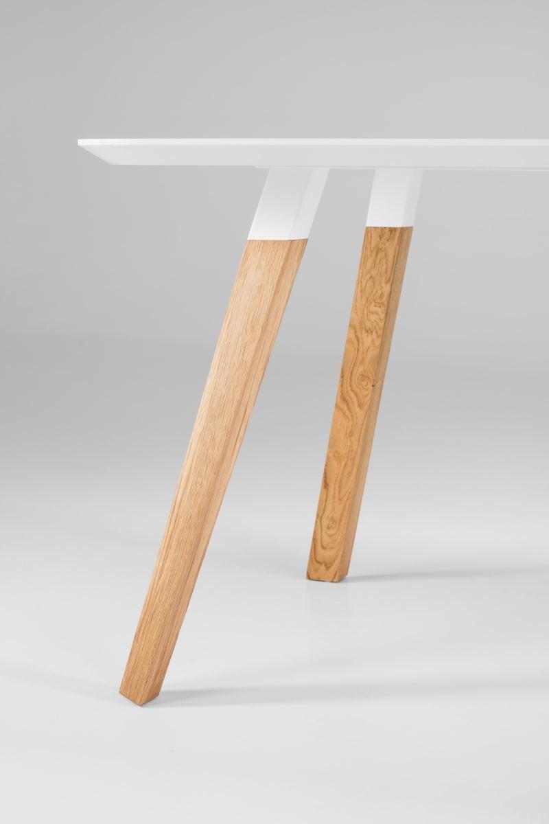 Tisch oblique prostoria 02