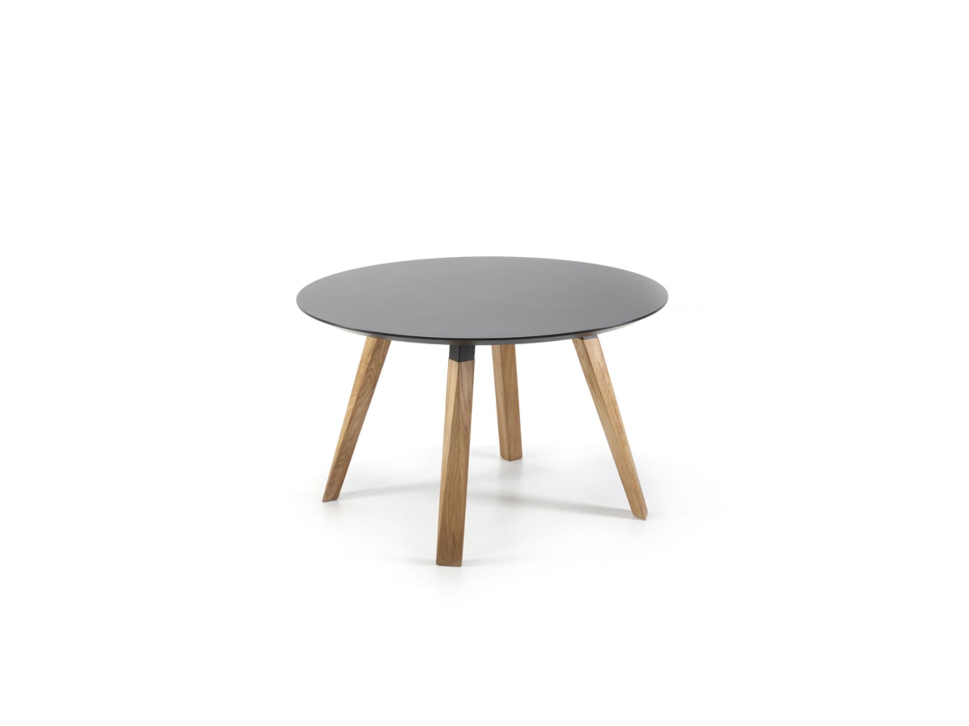Tisch oblique prostoria 04