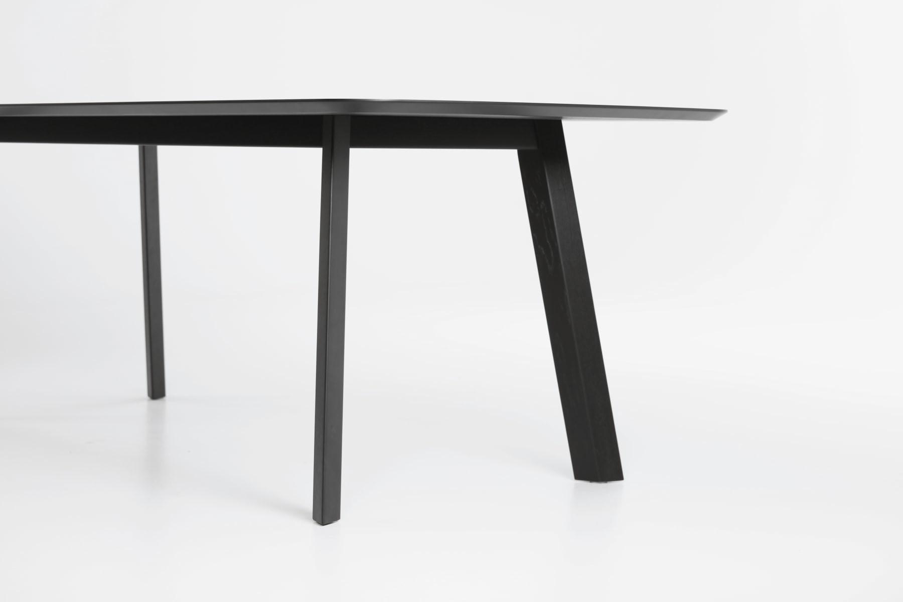 Tisch rohmb prostoria 04