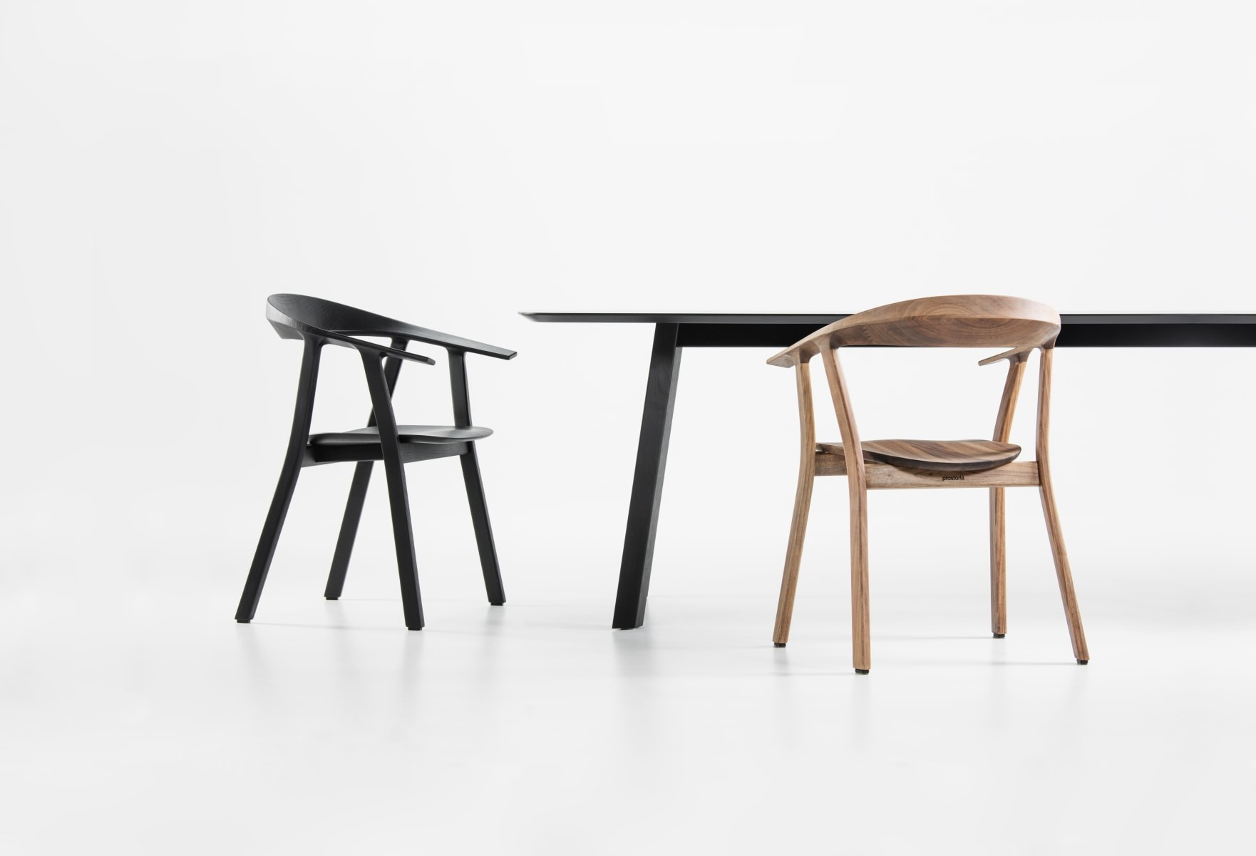 Tisch rohmb prostoria 01