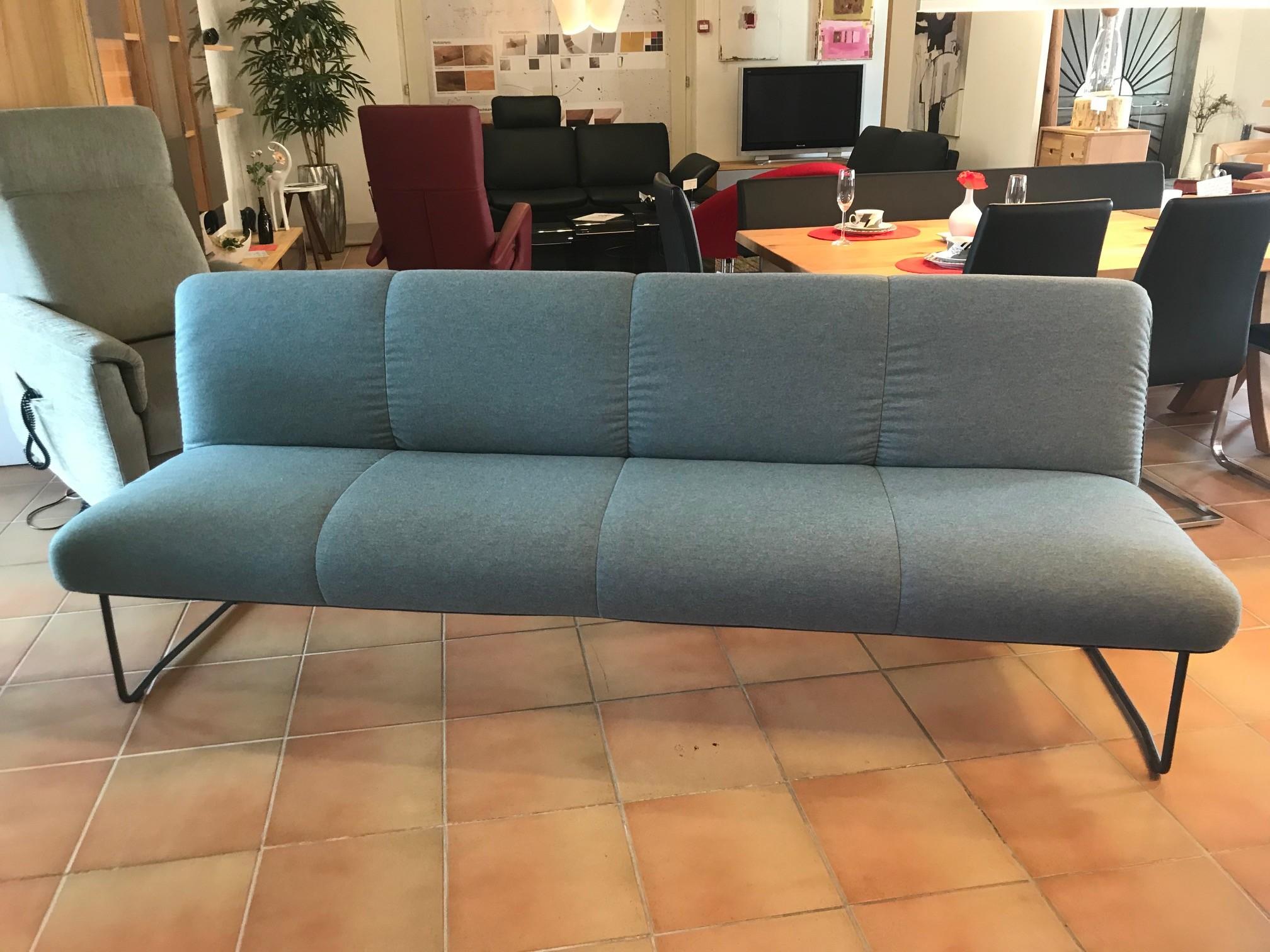 Zweigl Bank mit 3 Stühlen 02