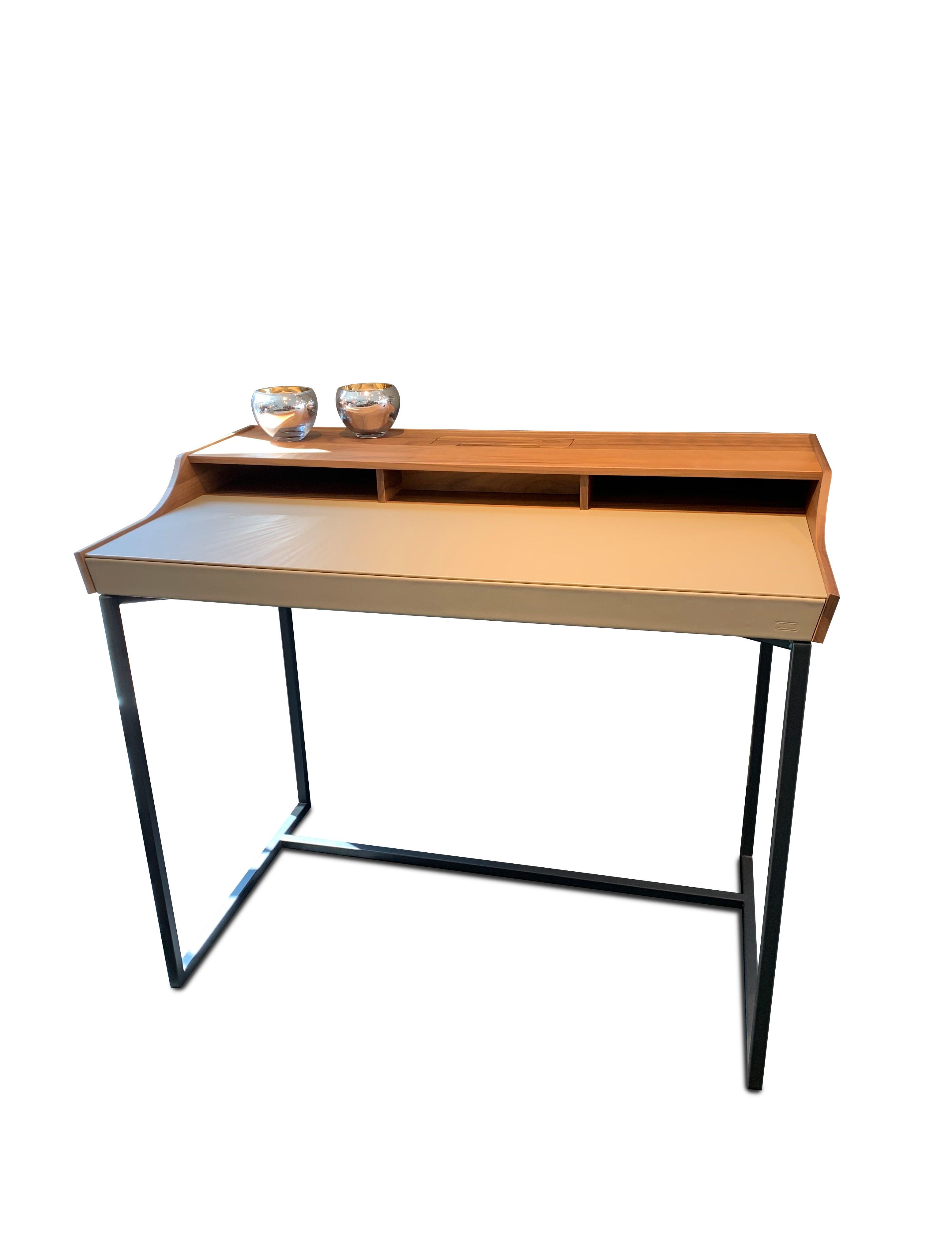 Schreibtisch 12