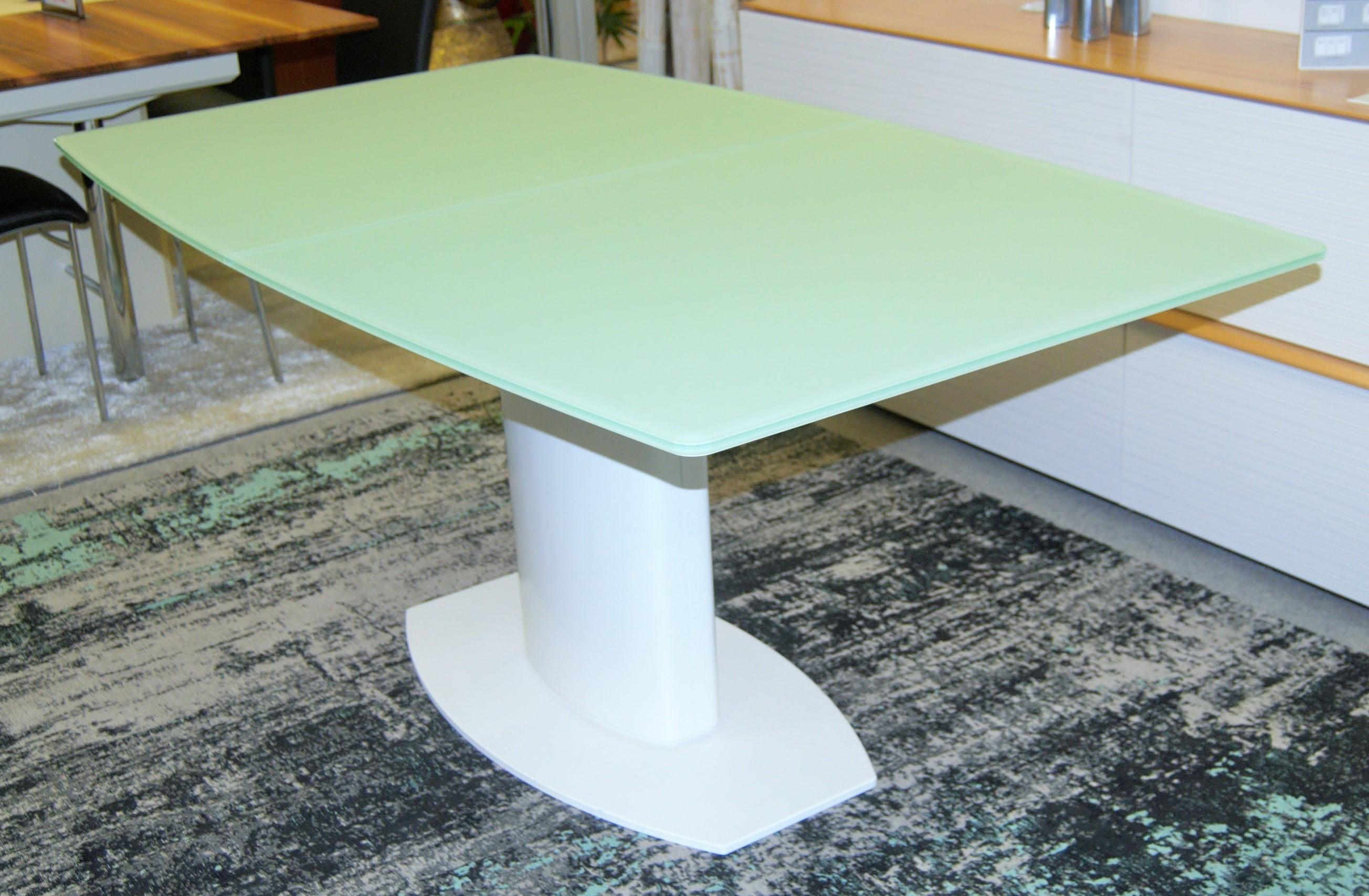 Tisch Bootform 01