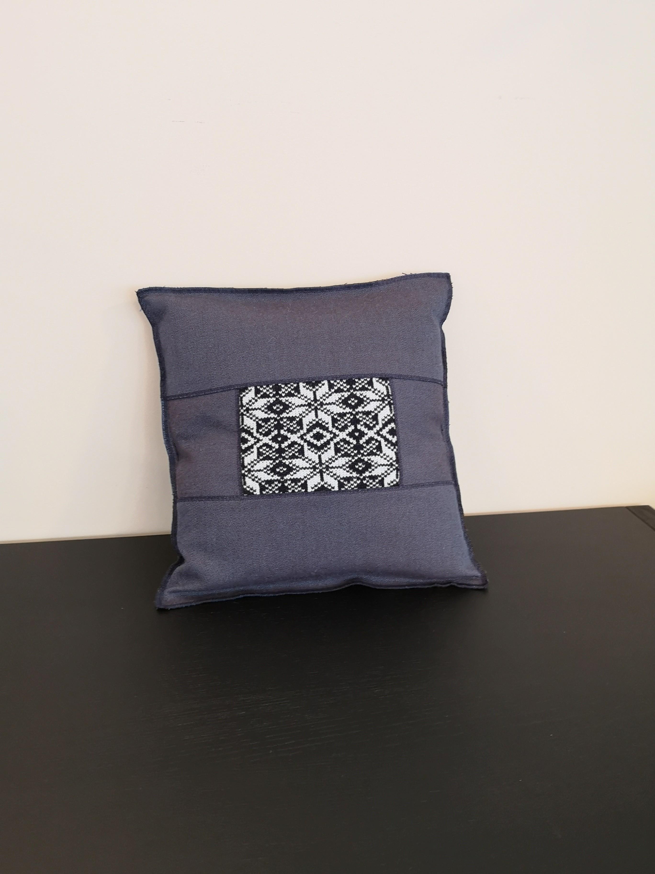 Design-Kissen hergestellt in der Schweiz 01