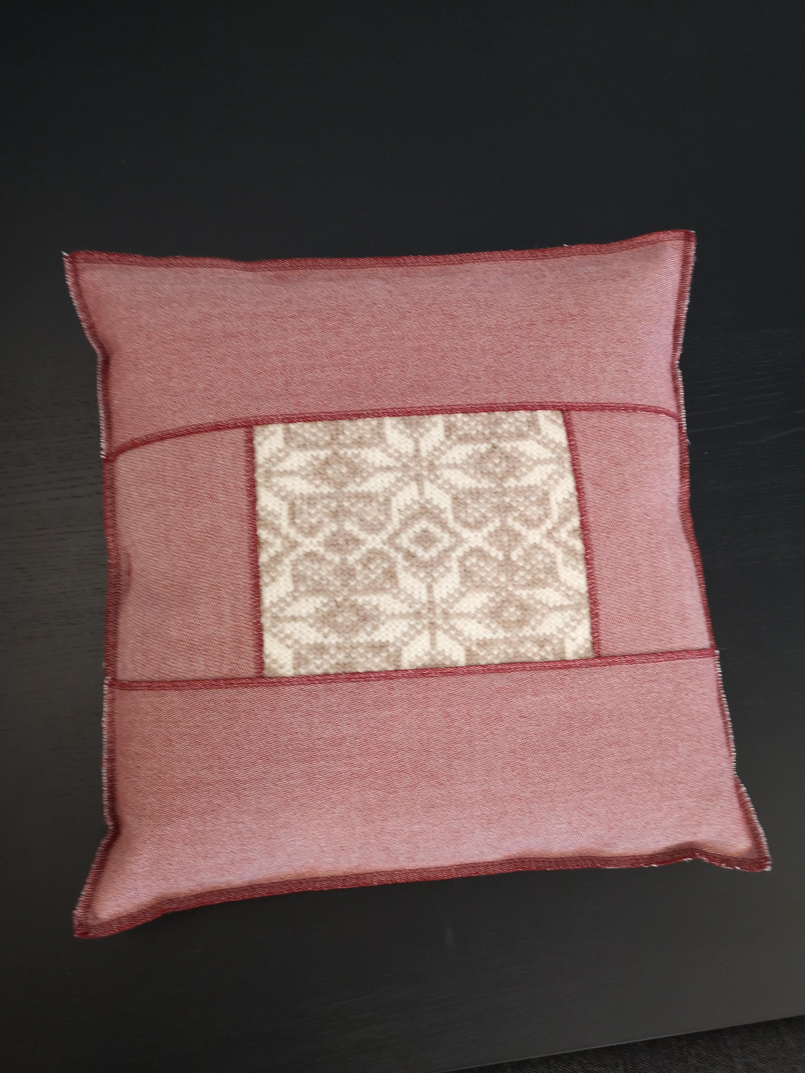 Design-Kissen hergestellt in der Schweiz - Kopieren 03
