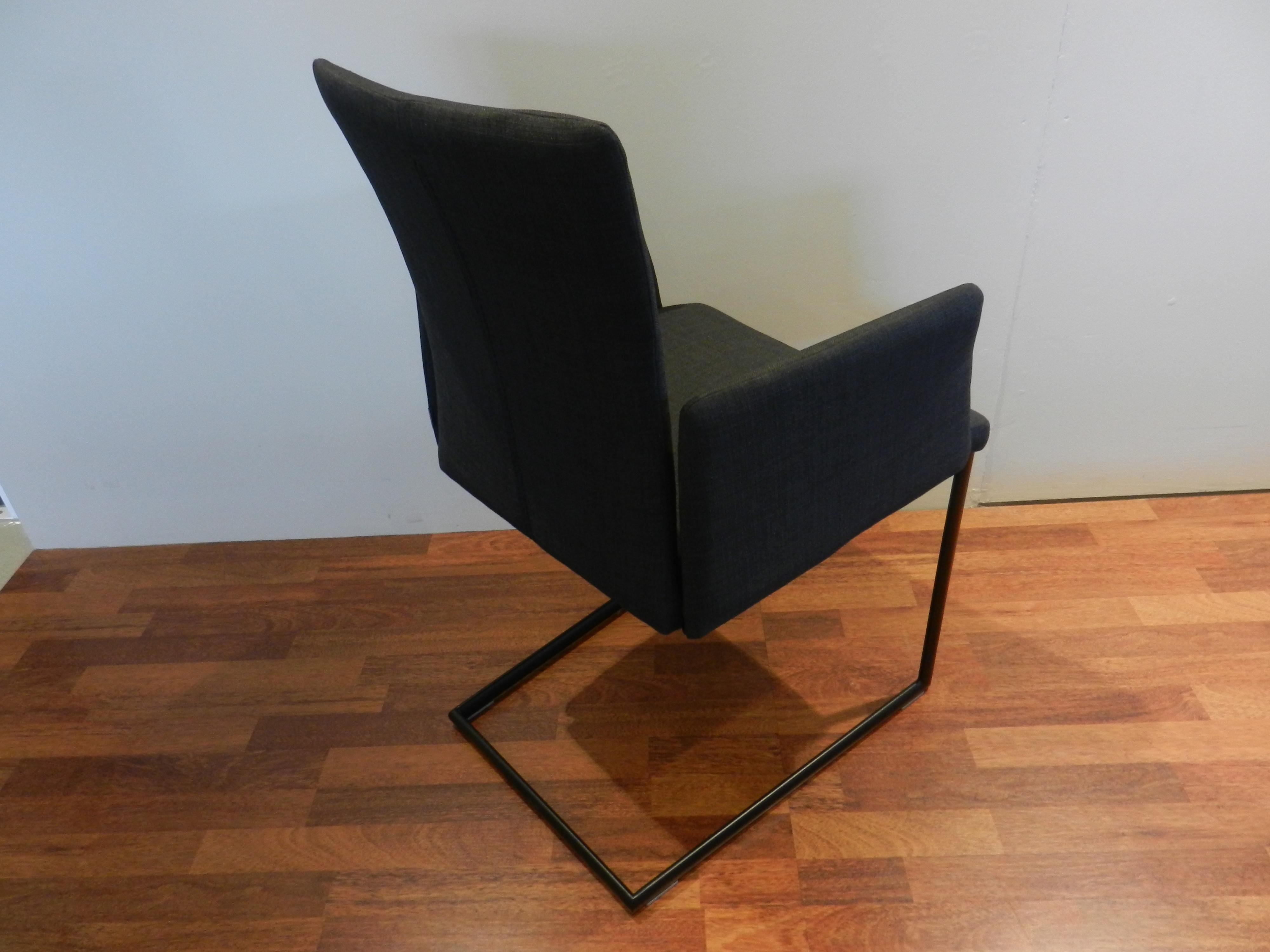 4 Stühle Mirsa von Roland Schmitt 02