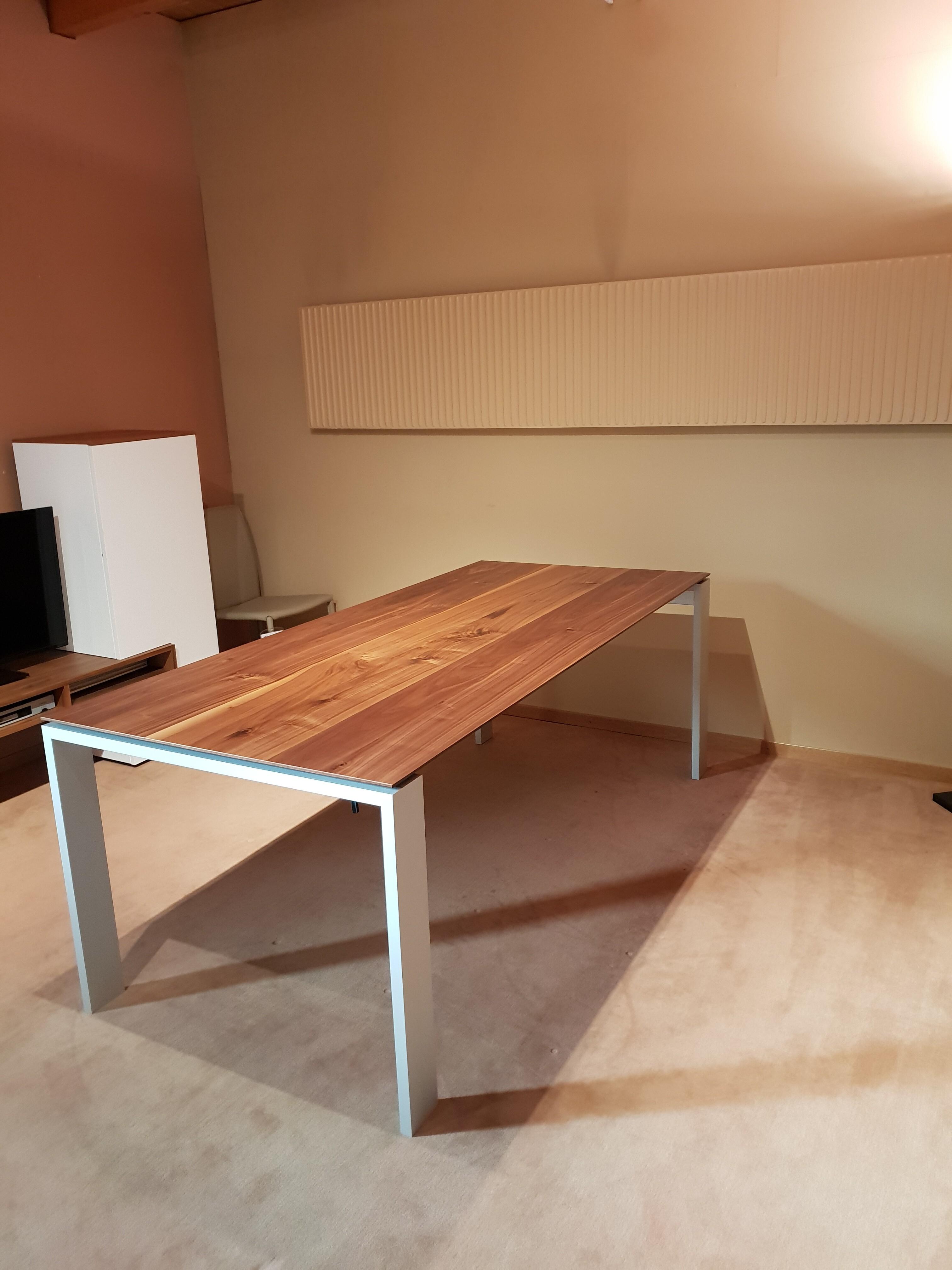 Table Aura de Sitzplatz 02