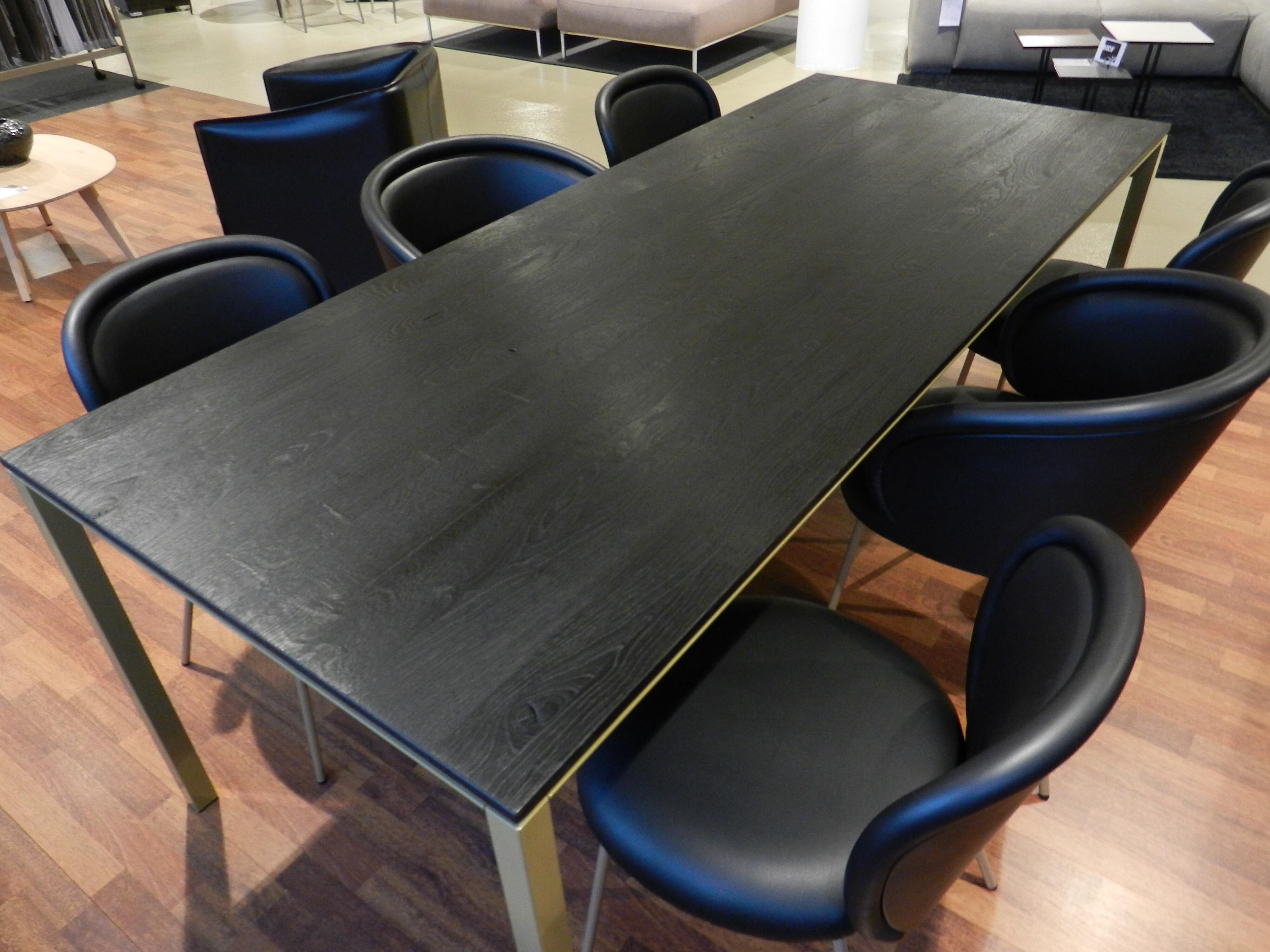 Tischgruppe mit 6 Stühlen von Janua und Freifrau / Ona mit Esstisch S600 03