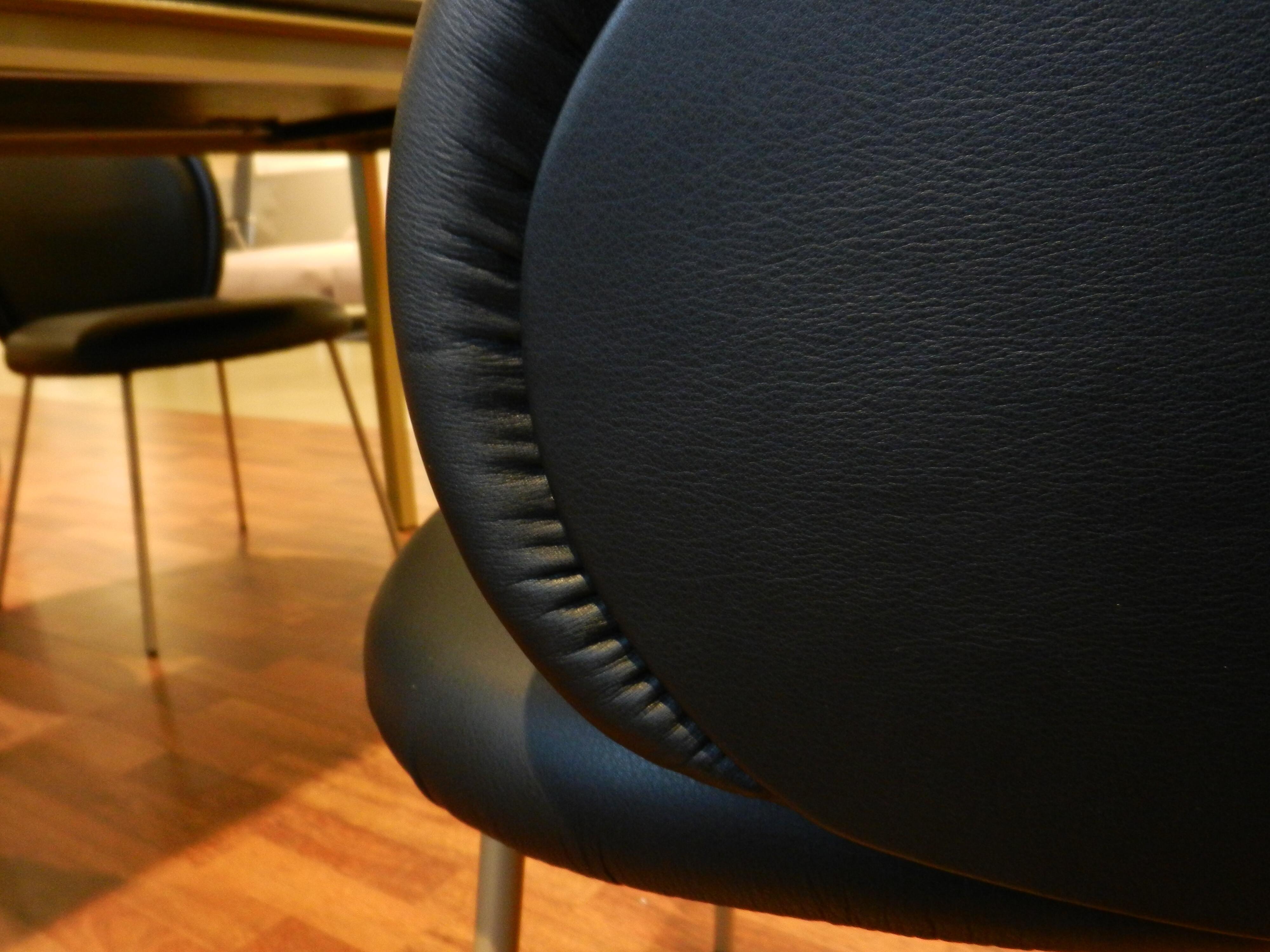 Tischgruppe mit 6 Stühlen von Janua und Freifrau / Ona mit Esstisch S600 15