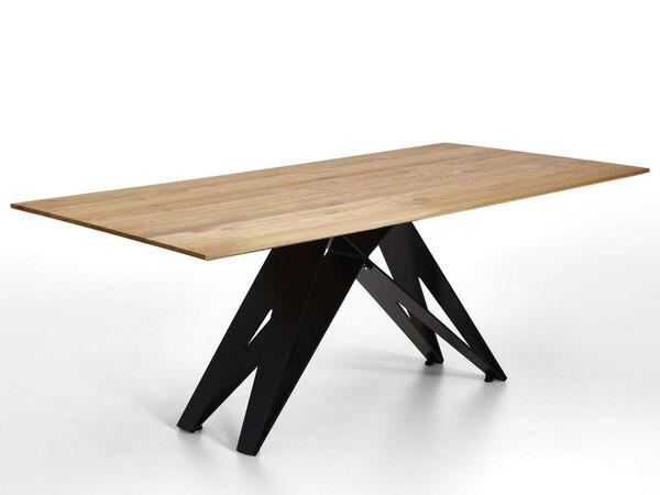 Tisch Eiche massiv mit Eisengestell 01