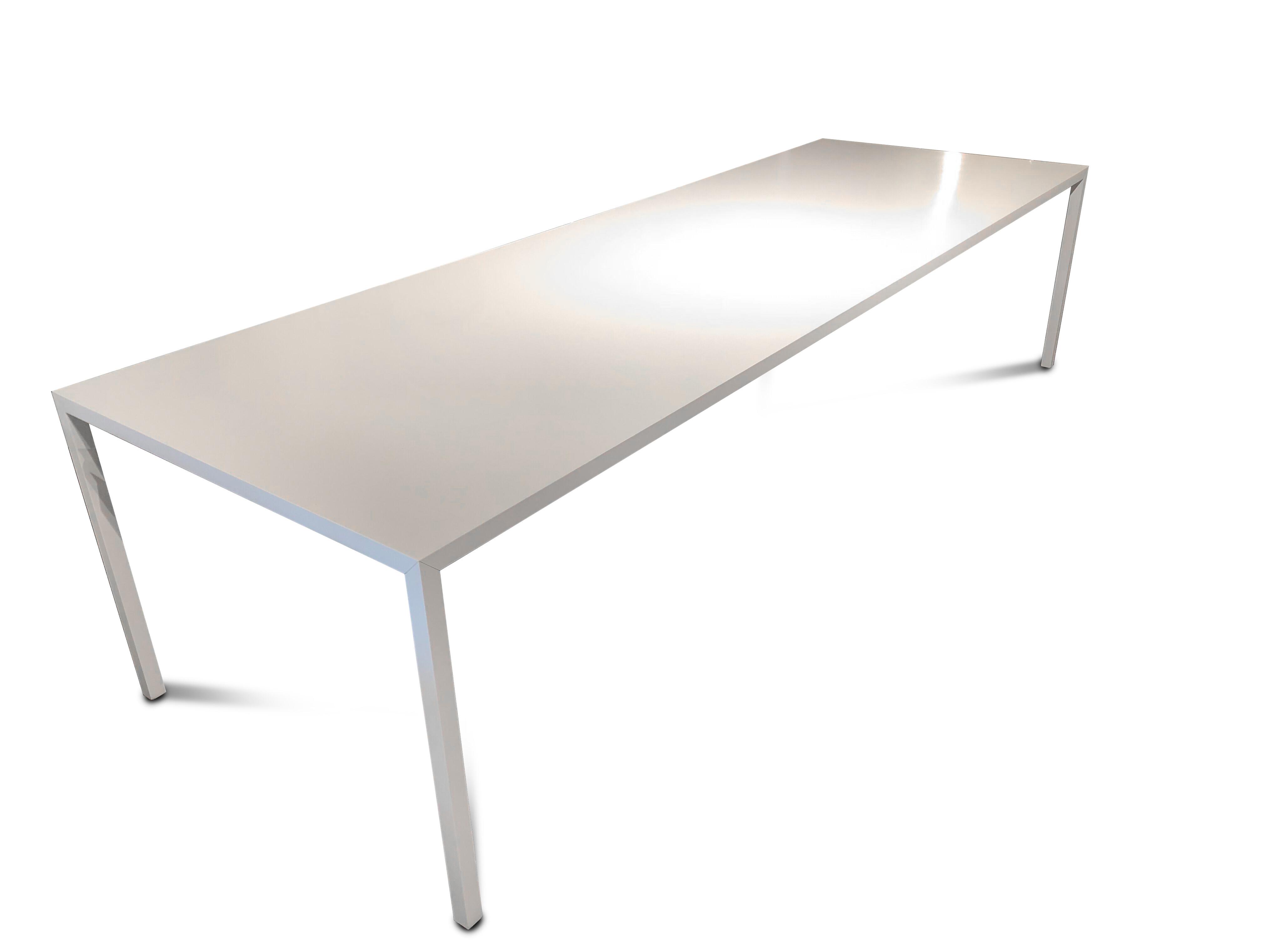 MDF Tisch Tense 04