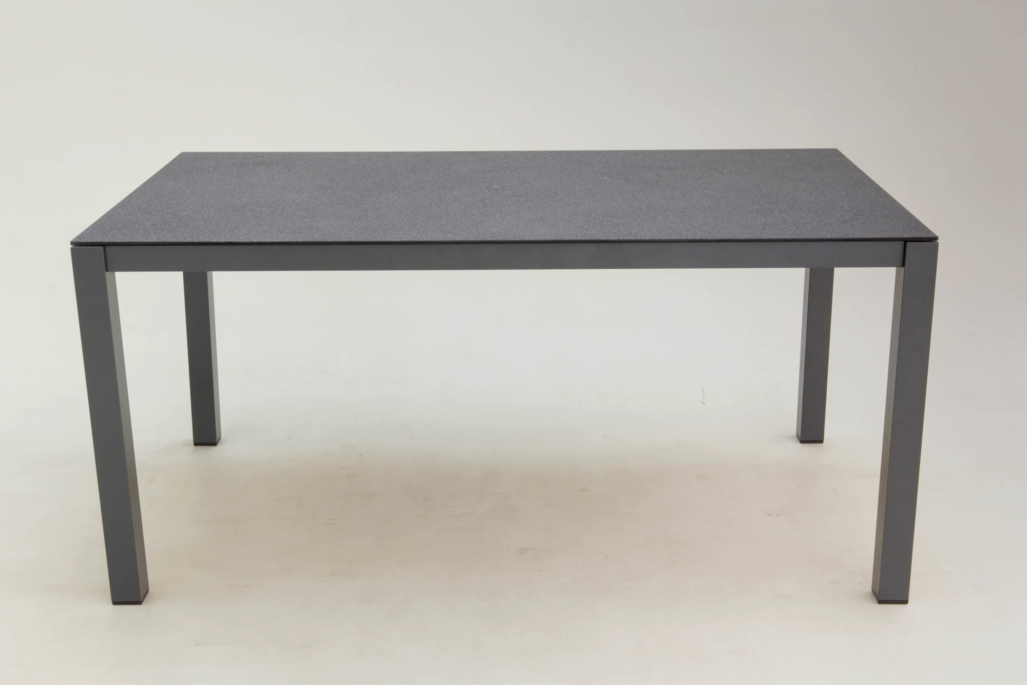 1539165398-gartenmoebel-160x90cm-alutisch-vido.jpg