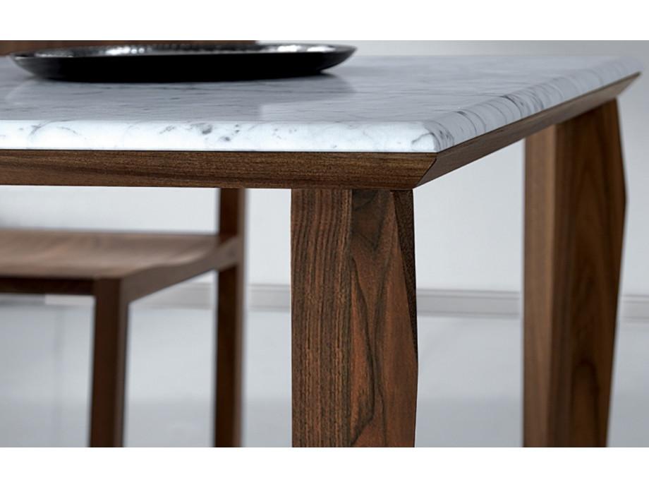 Tisch  03