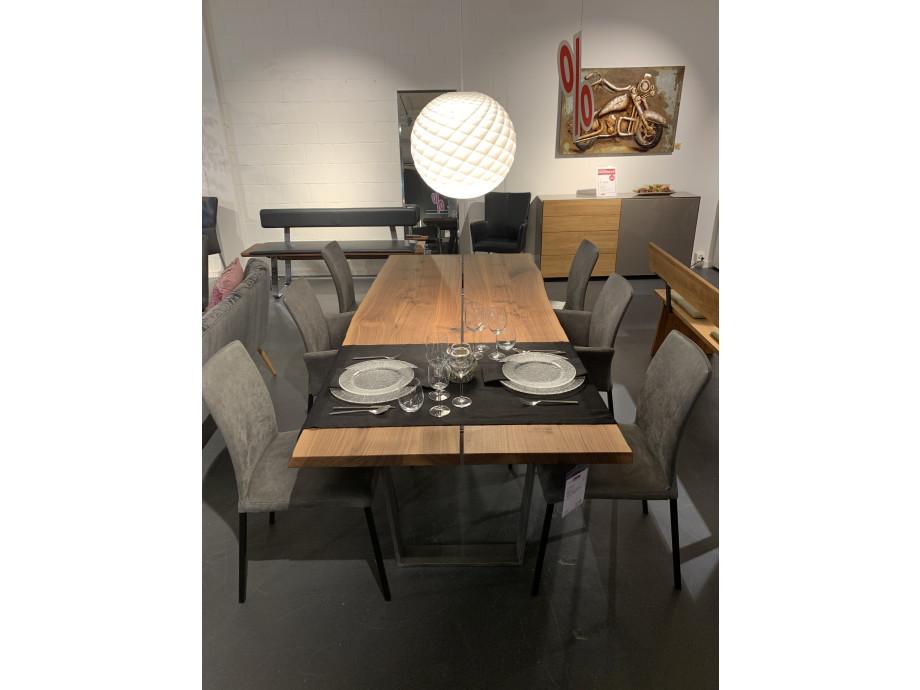 Baumkantentisch in Nussbaum 01