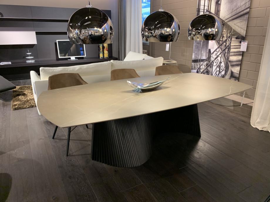 Designer Tisch Roma 01