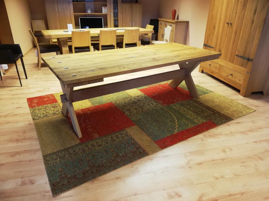 Table en chêne sauvage massif 01