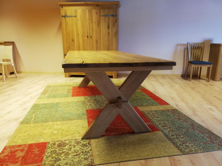 Table en chêne sauvage massif 03