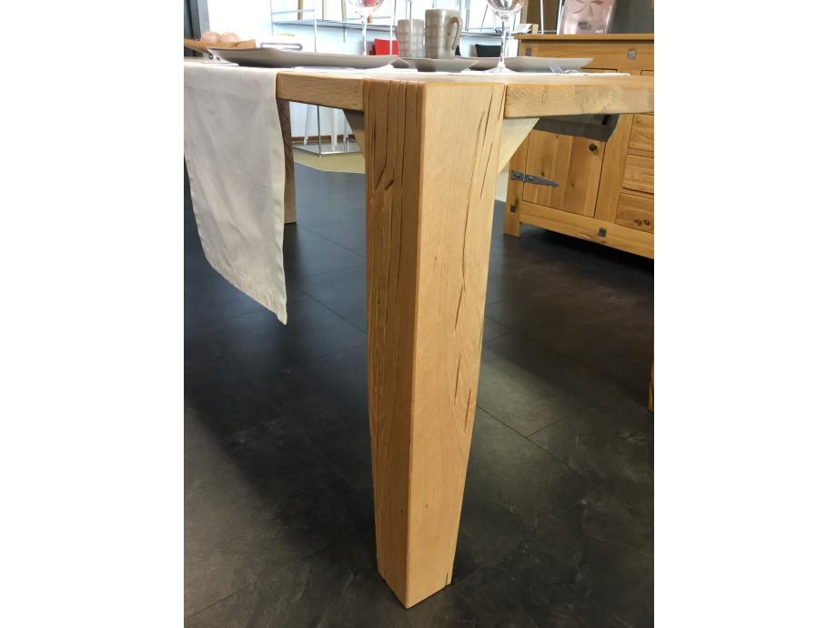 Tisch Largo Sumpfeiche geschroppt 03