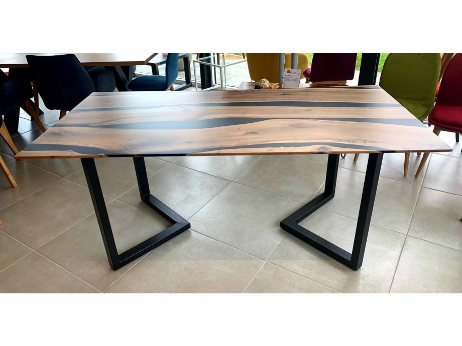 Black Walnut River  Table mit Epoxid 02