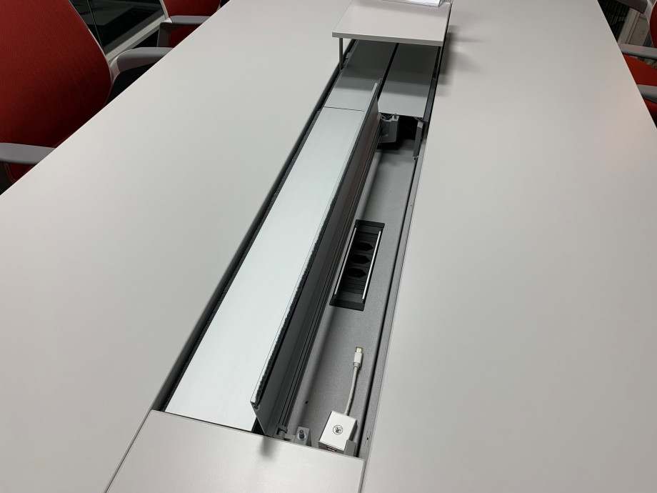 1547111825-buero-table-de-conference-48-four-point-eight-de-steelcase_3.jpg