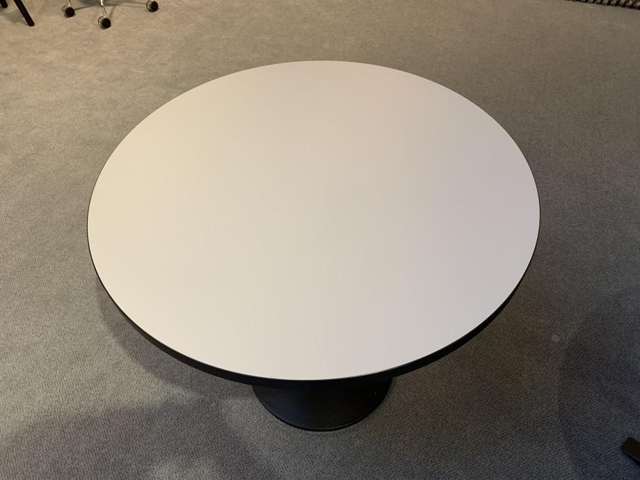 Tisch Pinta Dietiker 02